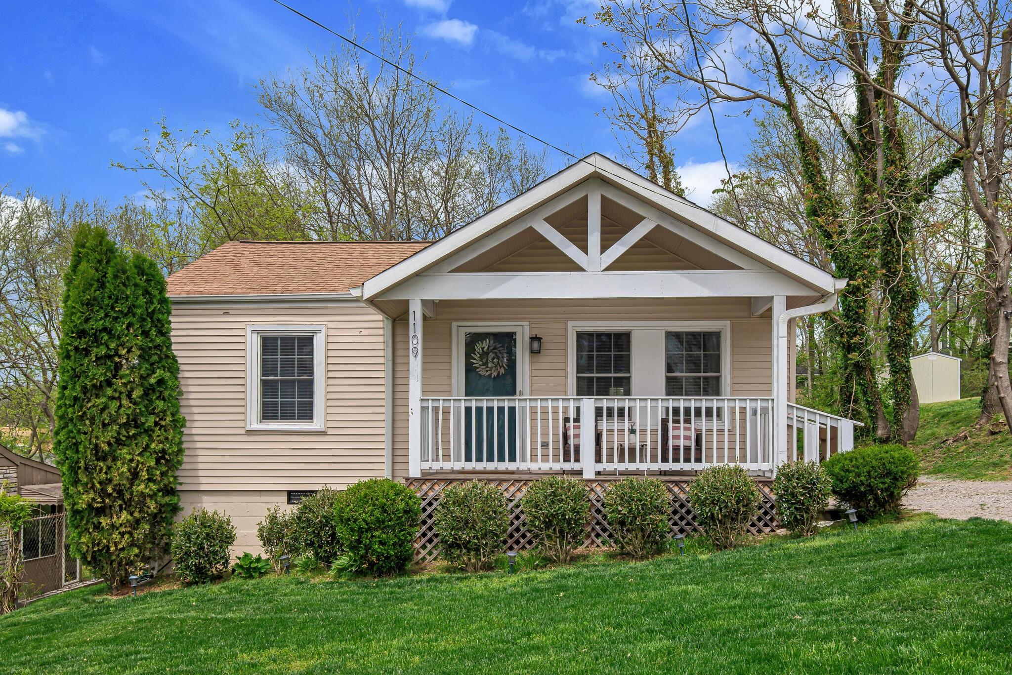 A J Caldwellhobson Real Estate Listings Main Image