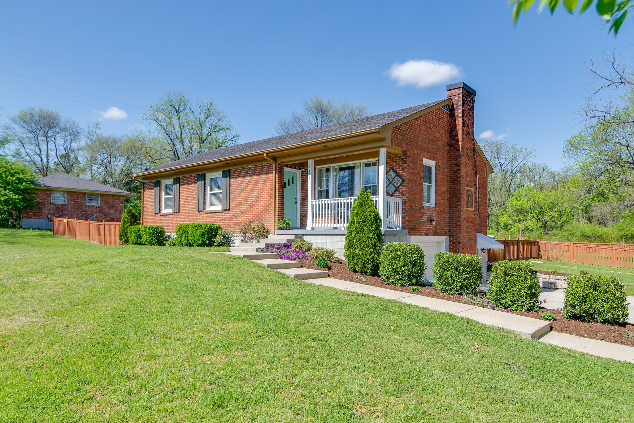 1213 Neelys Bend Rd Property Photo - Madison, TN real estate listing