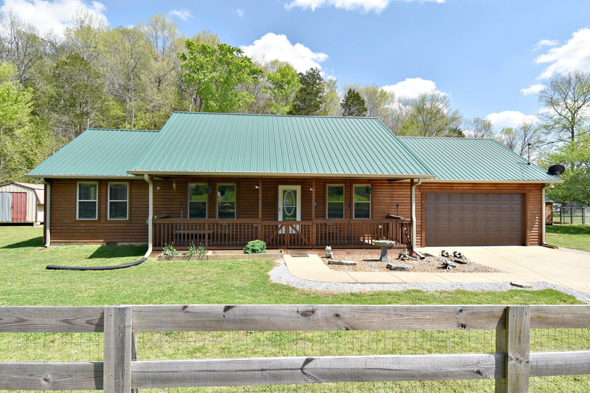 32 Porter Hollow Rd Property Photo - Linden, TN real estate listing