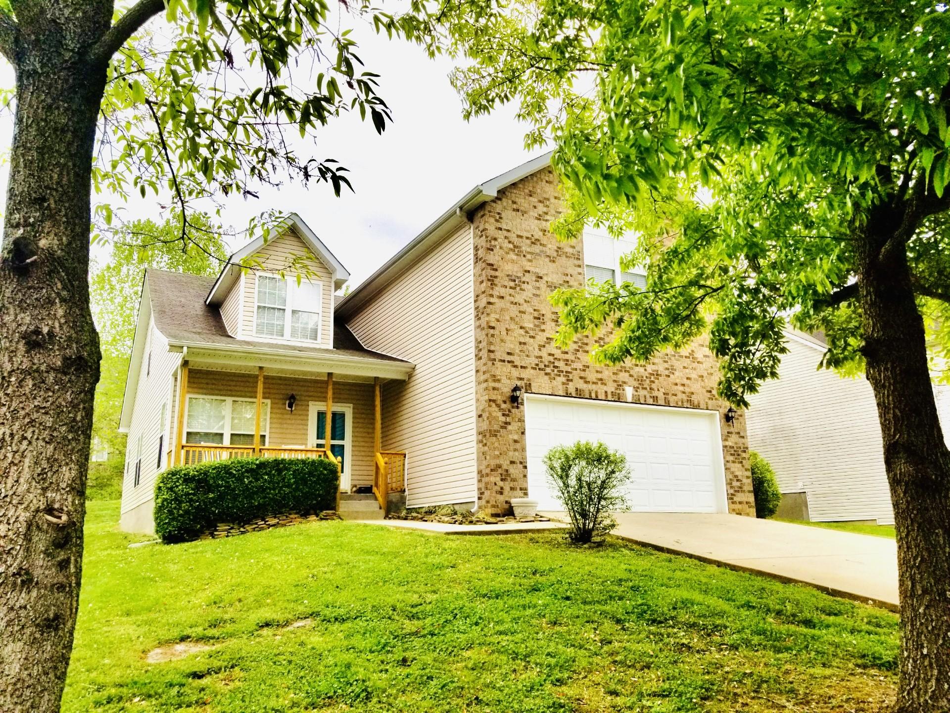 142 Lyndhurst Dr Property Photo - LA VERGNE, TN real estate listing