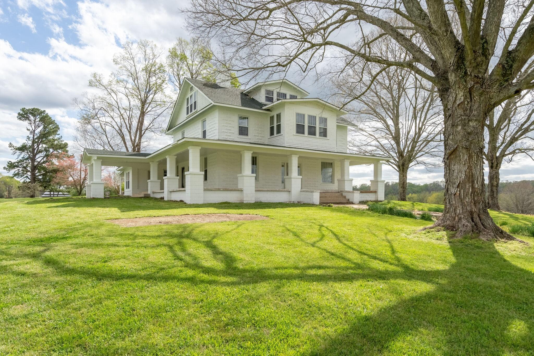 Hurricane Mills Real Estate Listings Main Image