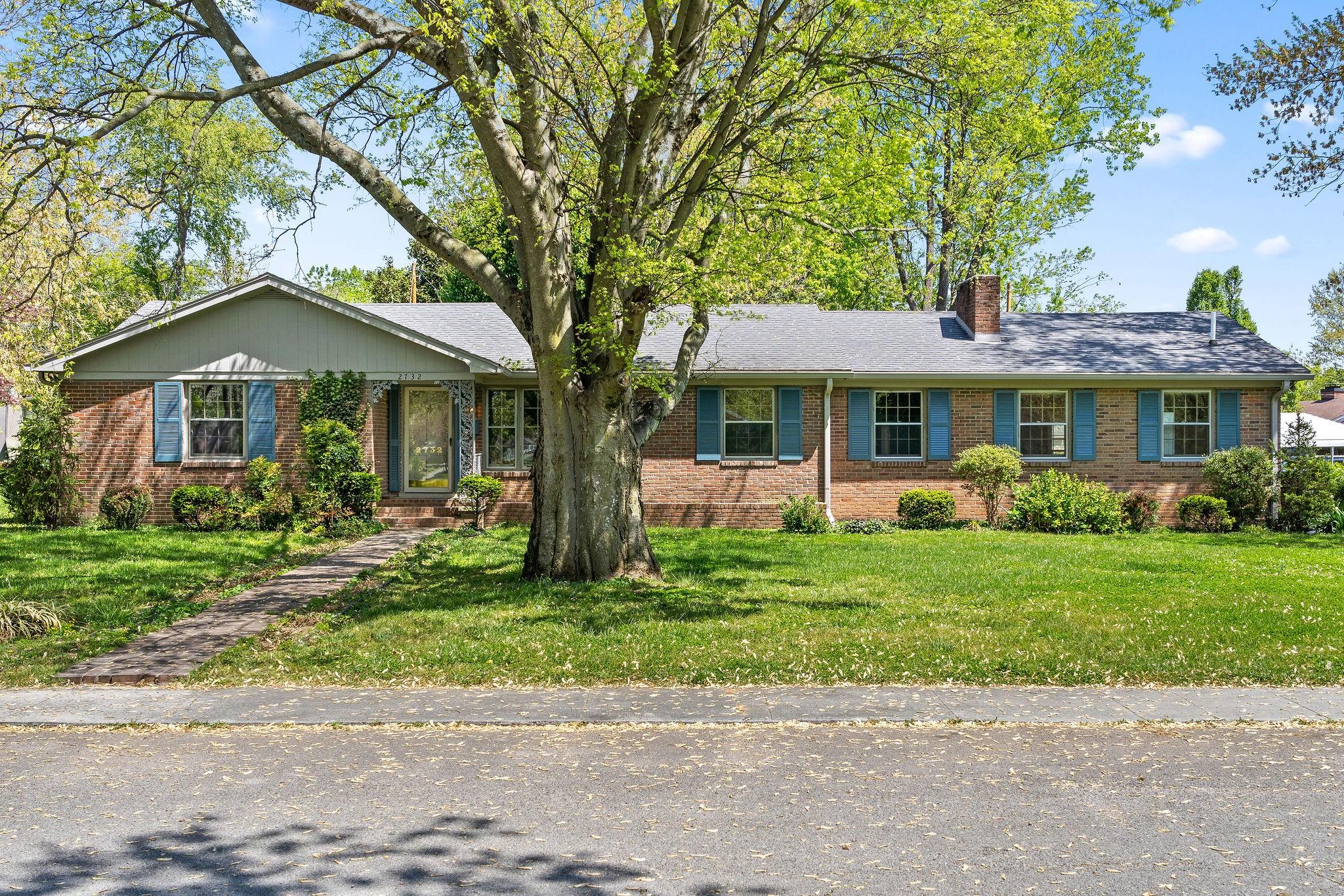 2732 Clinton Cir Property Photo