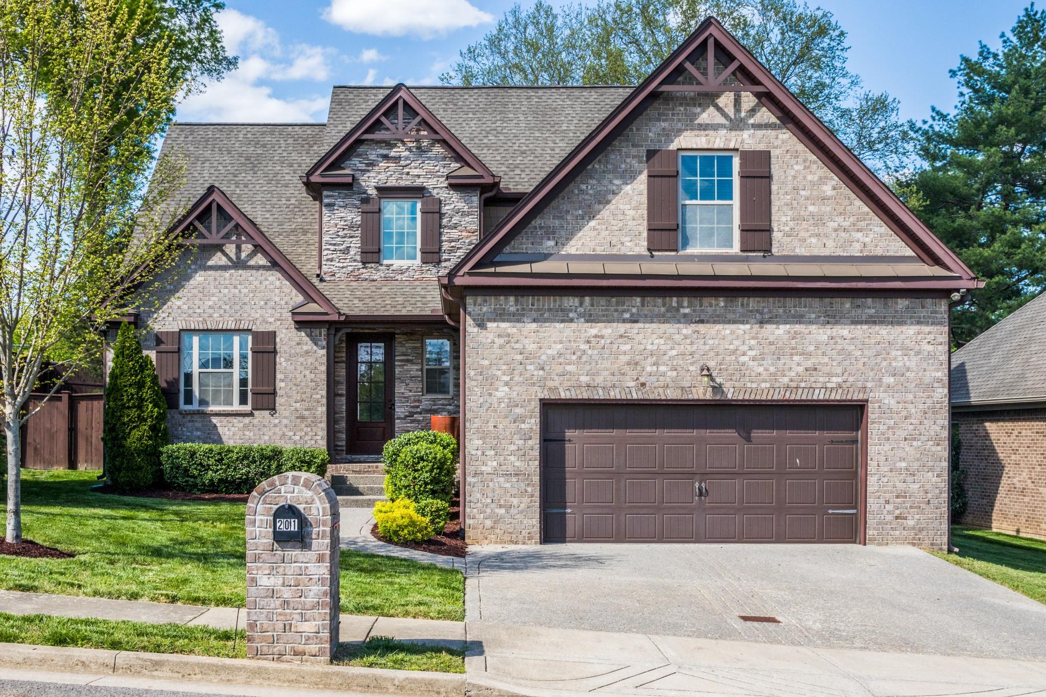 201 Valley Bend Dr N Property Photo - Nashville, TN real estate listing