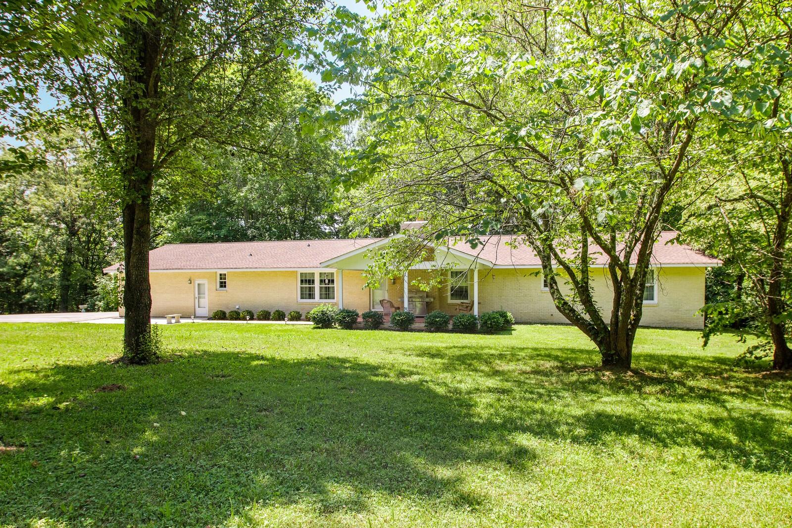 8880 Smithville Hwy Property Photo