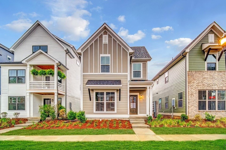 1055 Emery Bay Cir Property Photo - Hendersonville, TN real estate listing