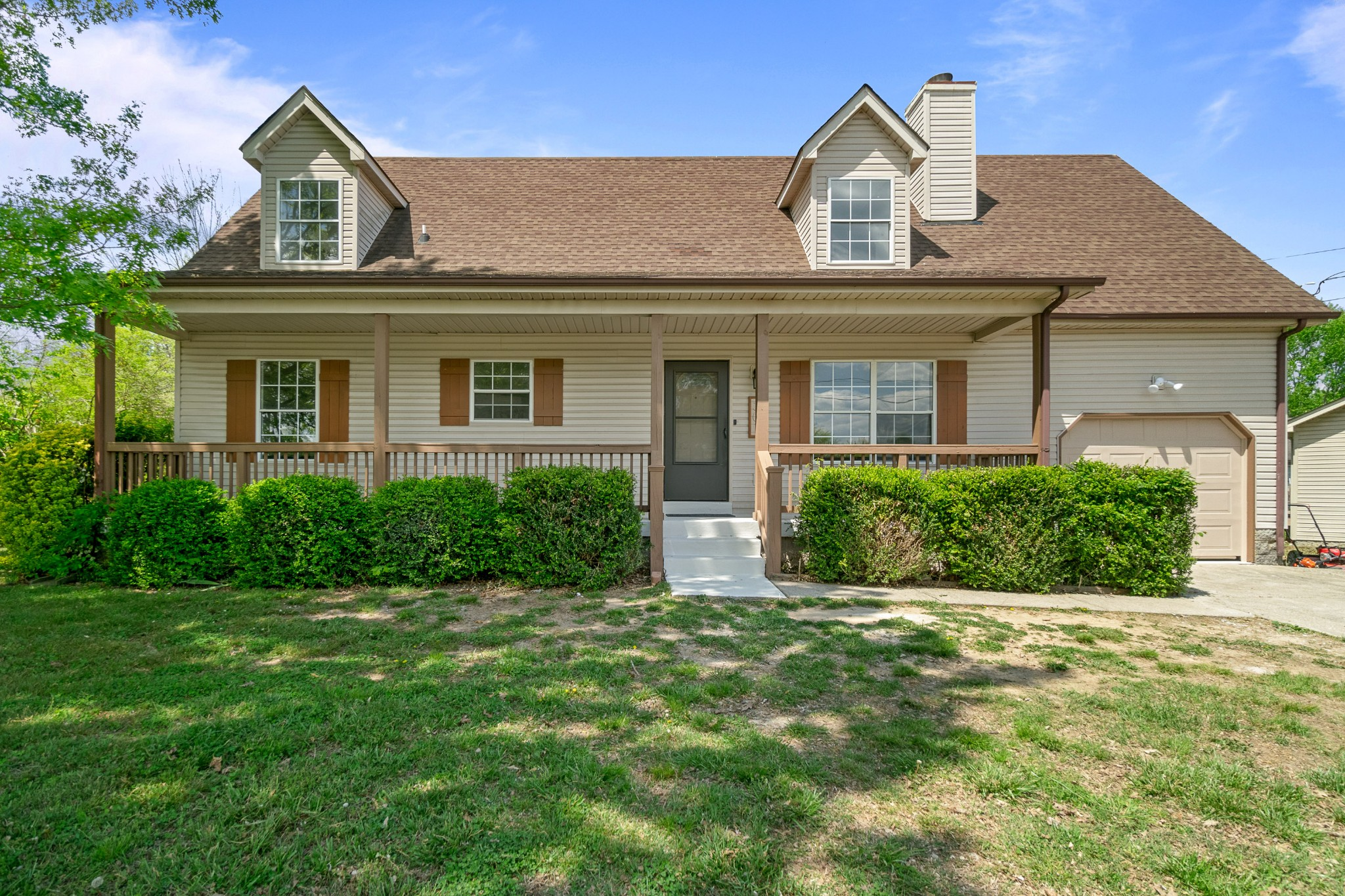 301 Valley Forge Ct Property Photo - LA VERGNE, TN real estate listing