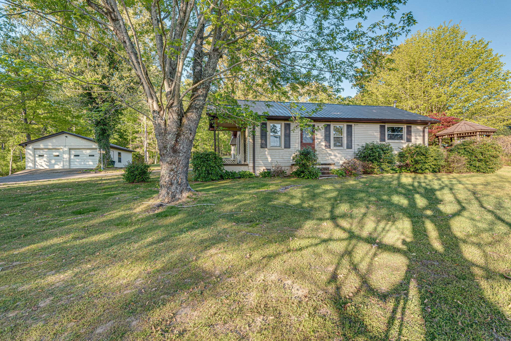 2436 Highway 48 N Property Photo - Nunnelly, TN real estate listing