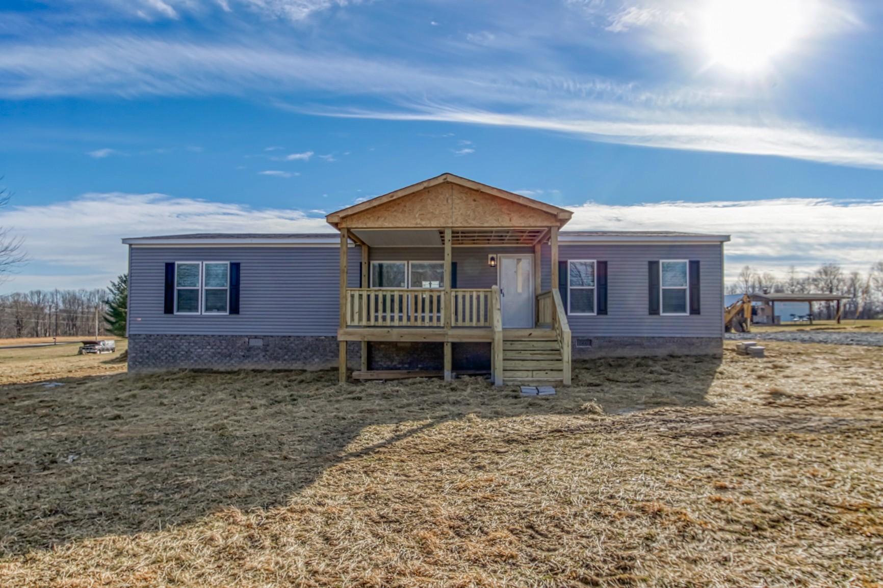 1838 Austin Rd Property Photo - Lafayette, TN real estate listing