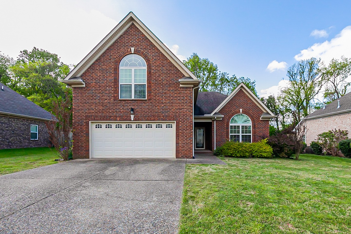 617 Smoky Mountains Dr Property Photo - Gallatin, TN real estate listing