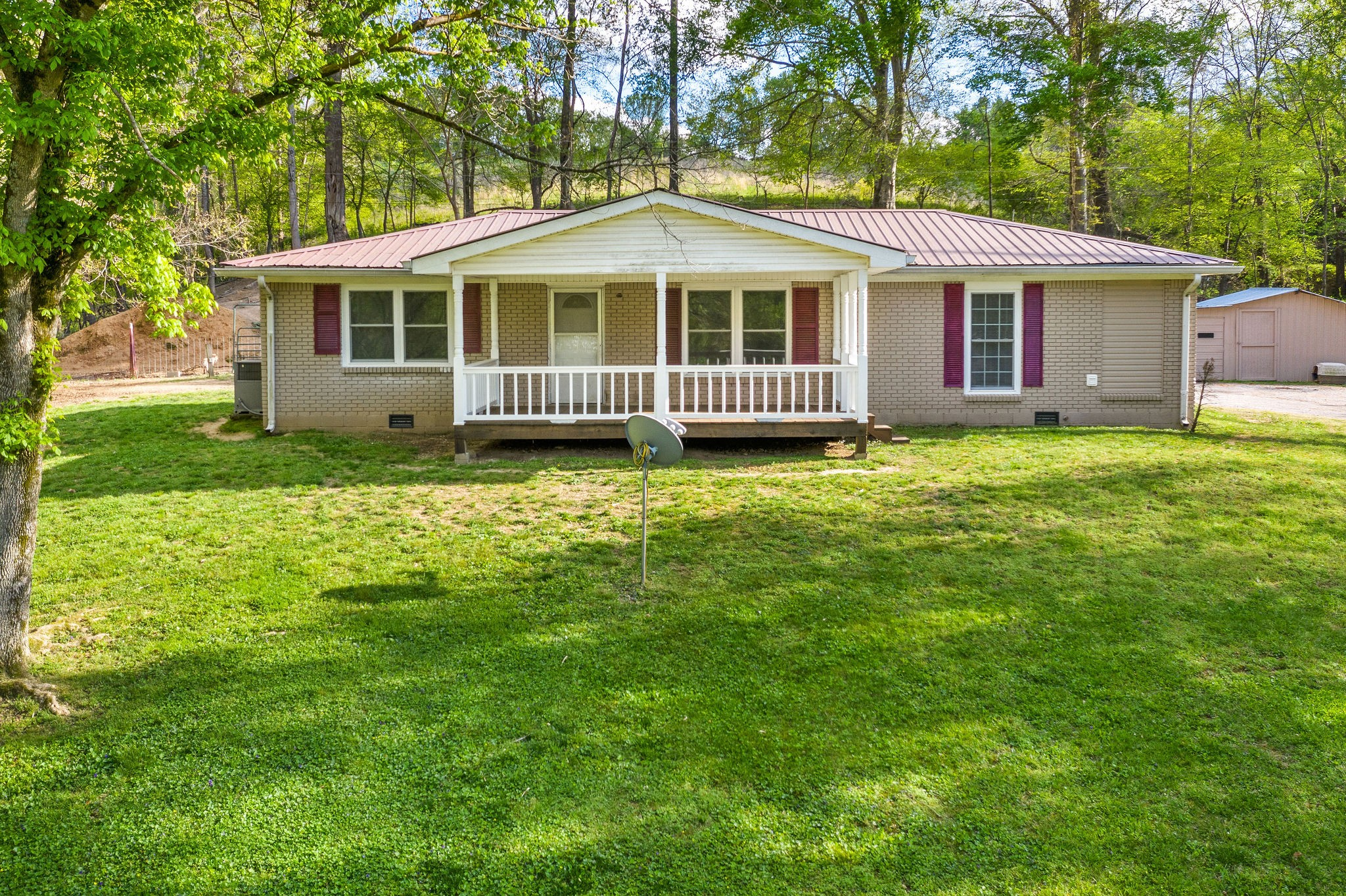7520 Highway 13 Property Photo - Erin, TN real estate listing