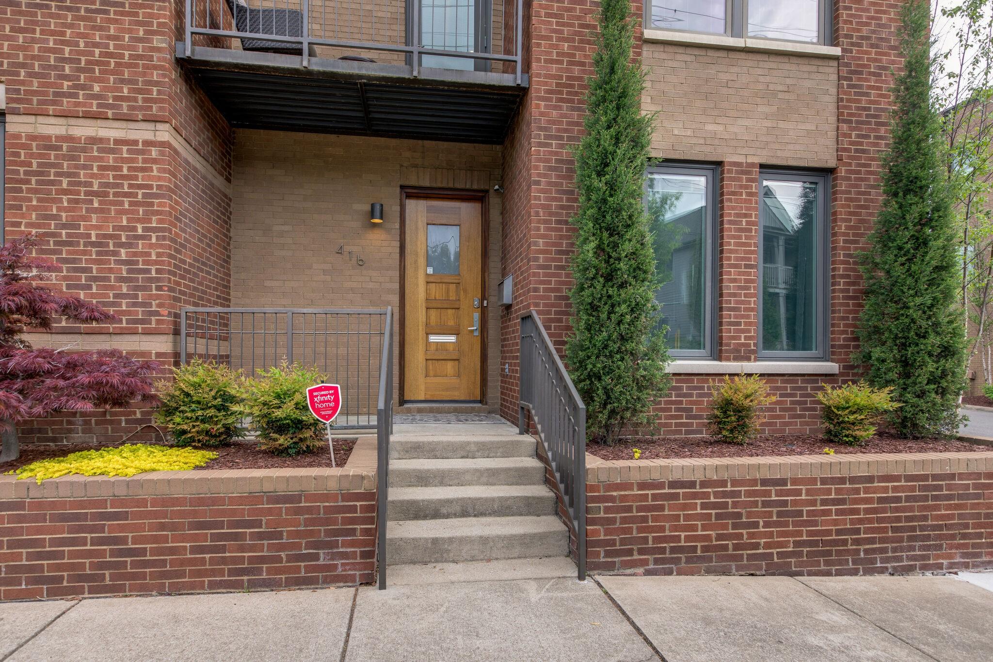 416 Van Buren St Property Photo