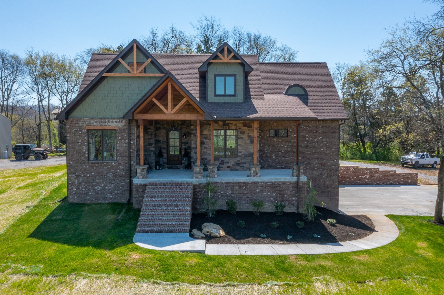 915A Dobbins Pike Property Photo - Gallatin, TN real estate listing