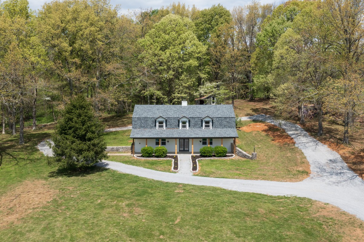401 South Road Property Photo - Cottontown, TN real estate listing