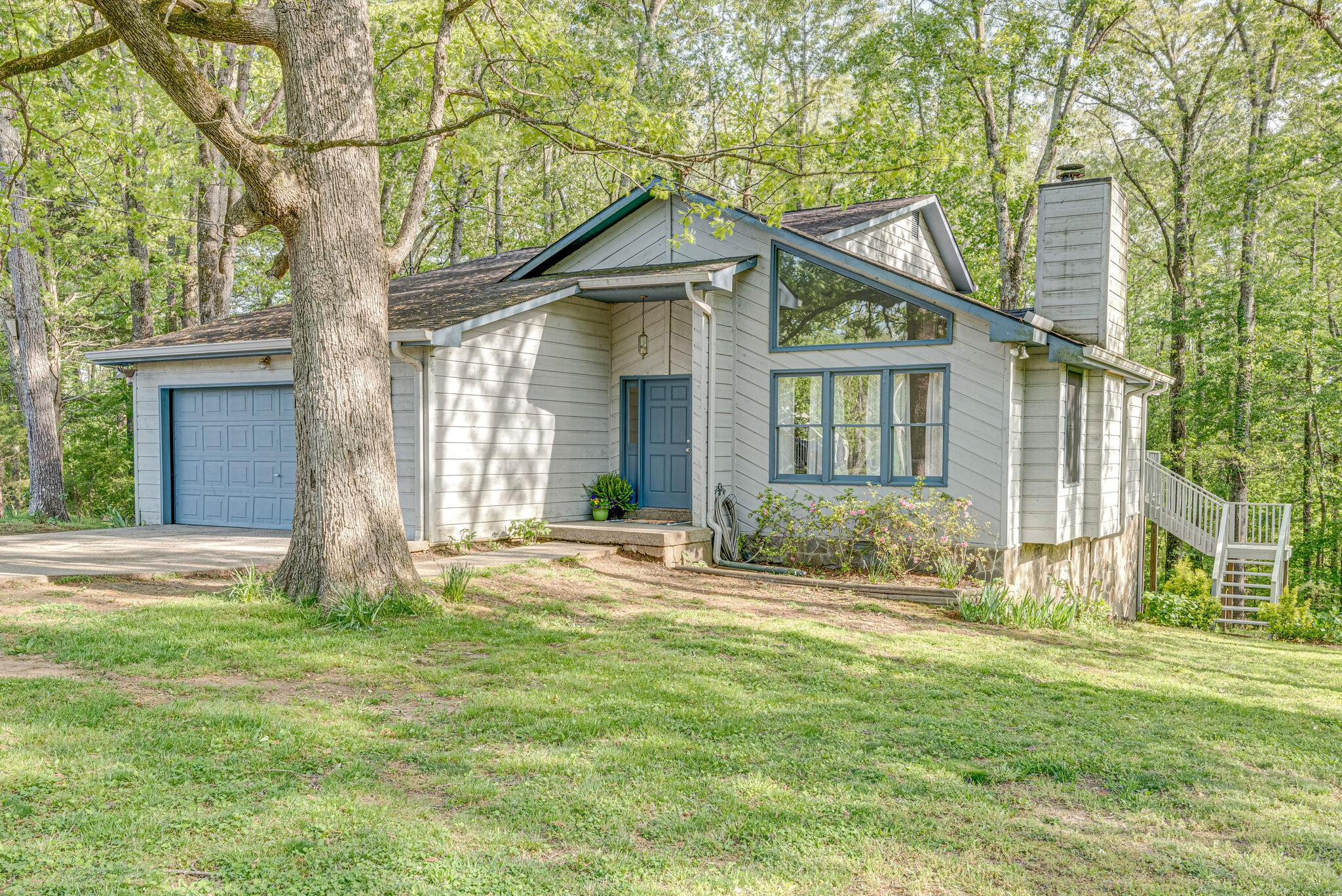 345 Twin Oaks Dr Property Photo - Kingston Springs, TN real estate listing