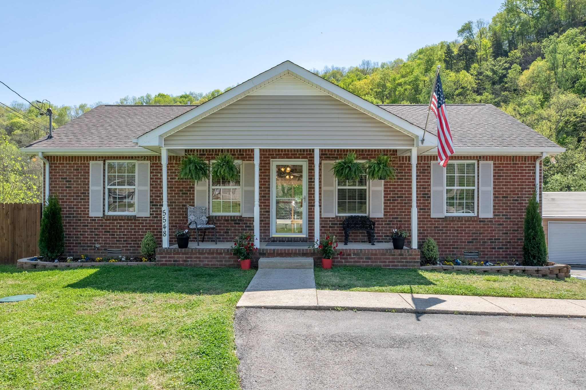 5548 Zapata Dr Property Photo - Pegram, TN real estate listing