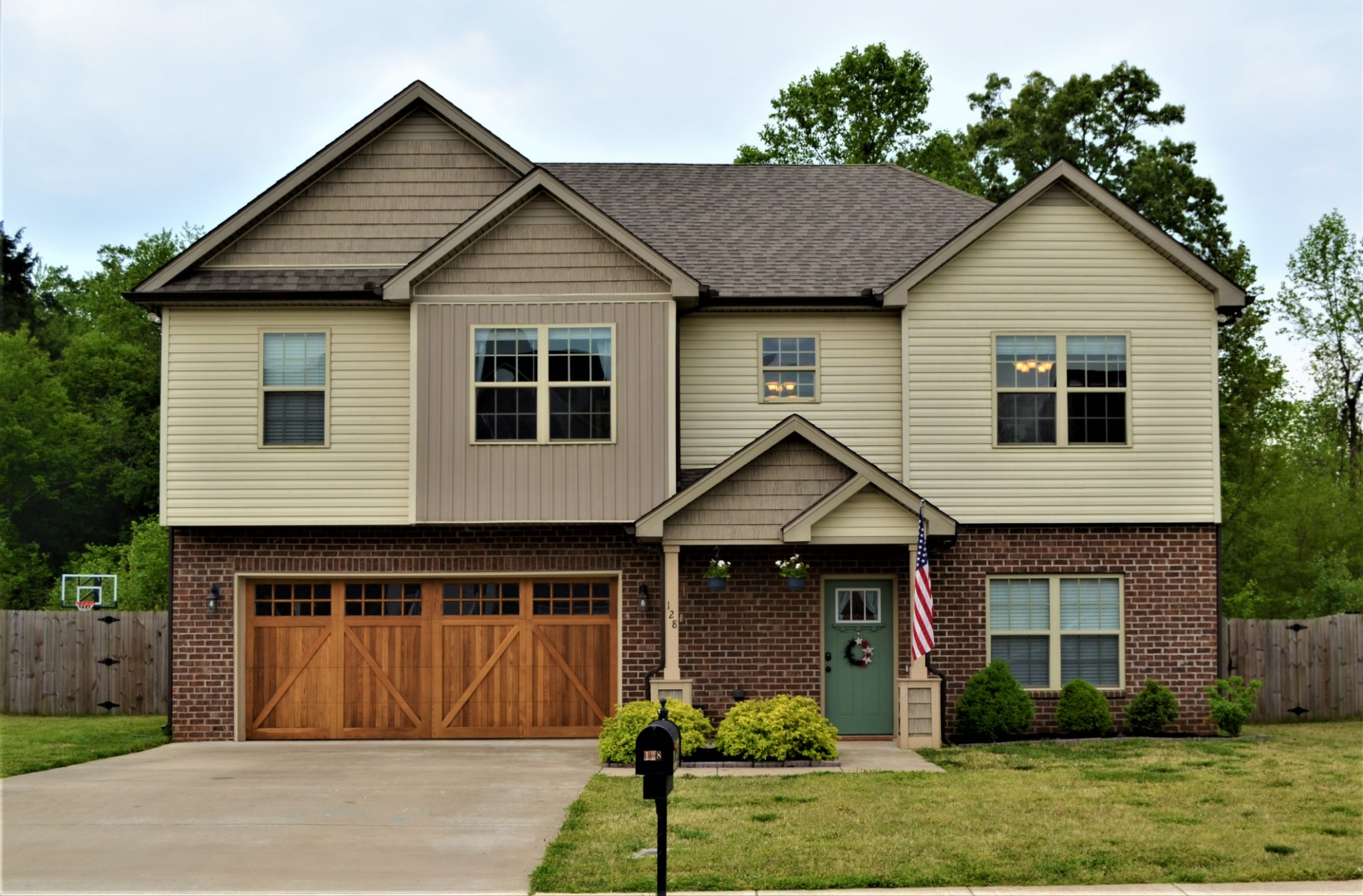 128 Thomas Traylor Ln Property Photo - Clarksville, TN real estate listing