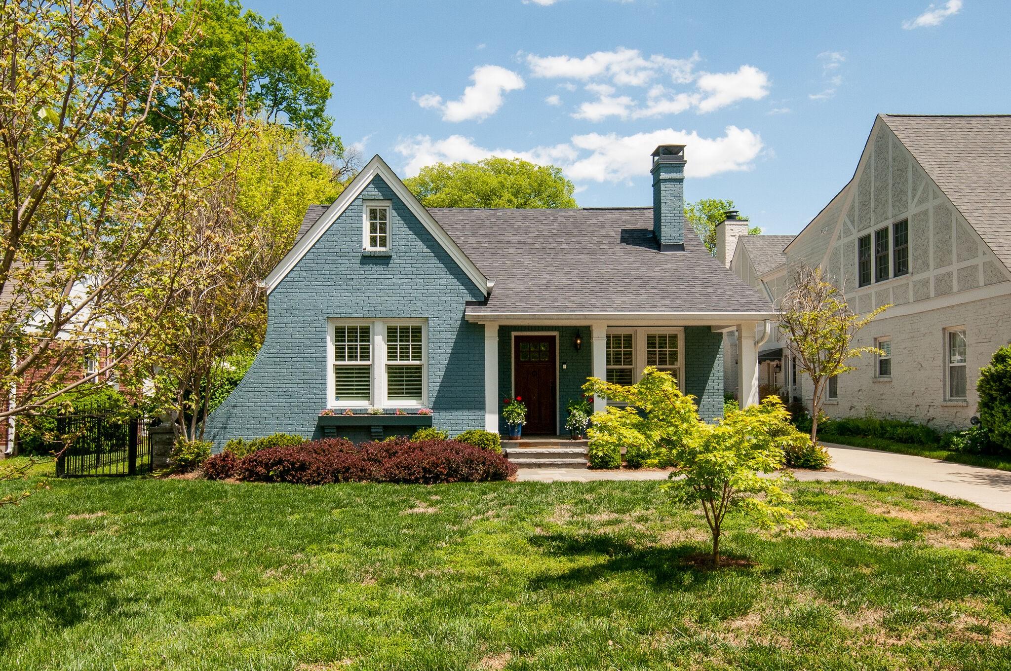123 Blackburn Ave Property Photo