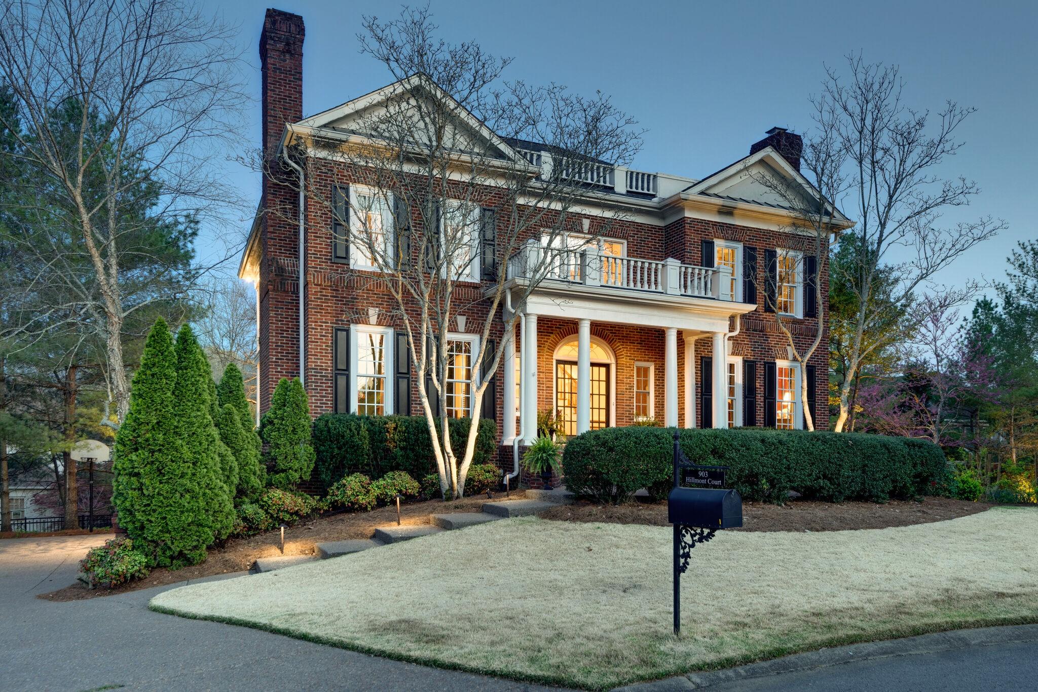 903 Hillmont Ct Property Photo - Nashville, TN real estate listing