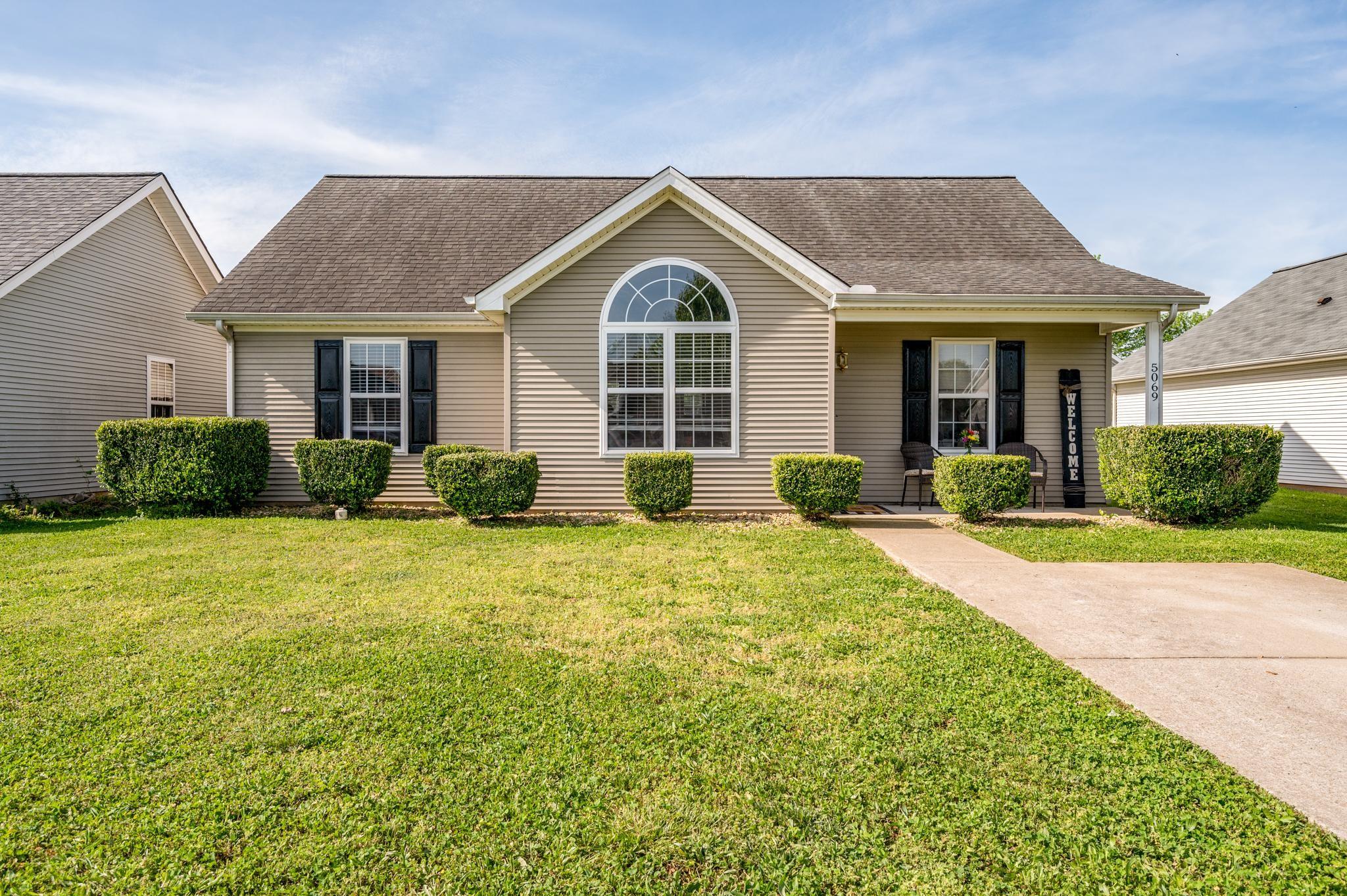 Adams Pointe Sec 4 Real Estate Listings Main Image