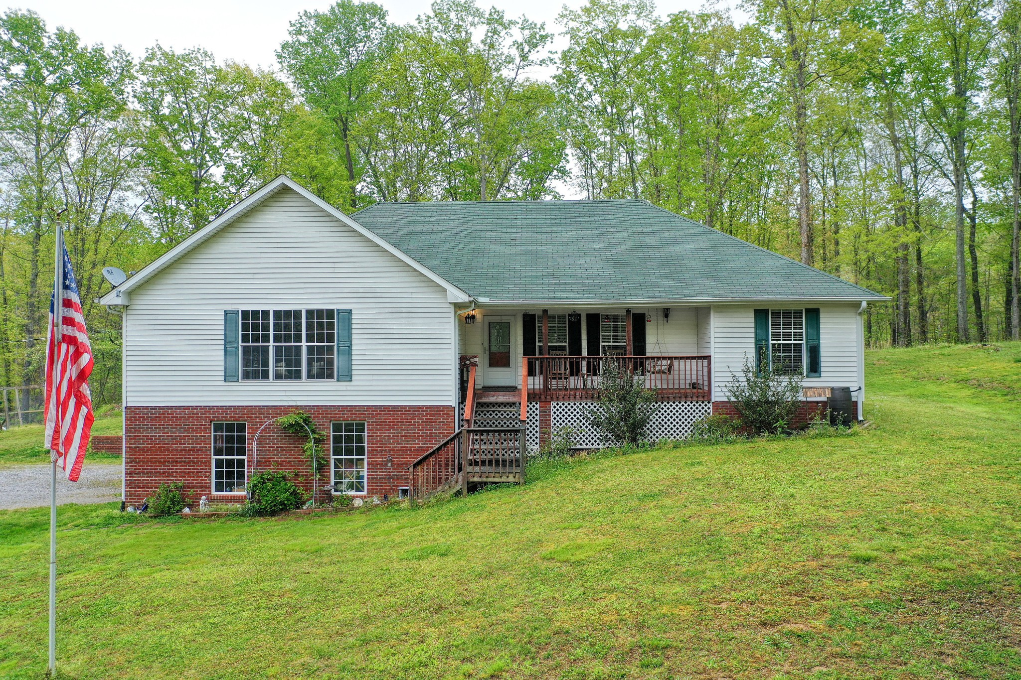 6046 Moccasin Rd Property Photo - Centerville, TN real estate listing