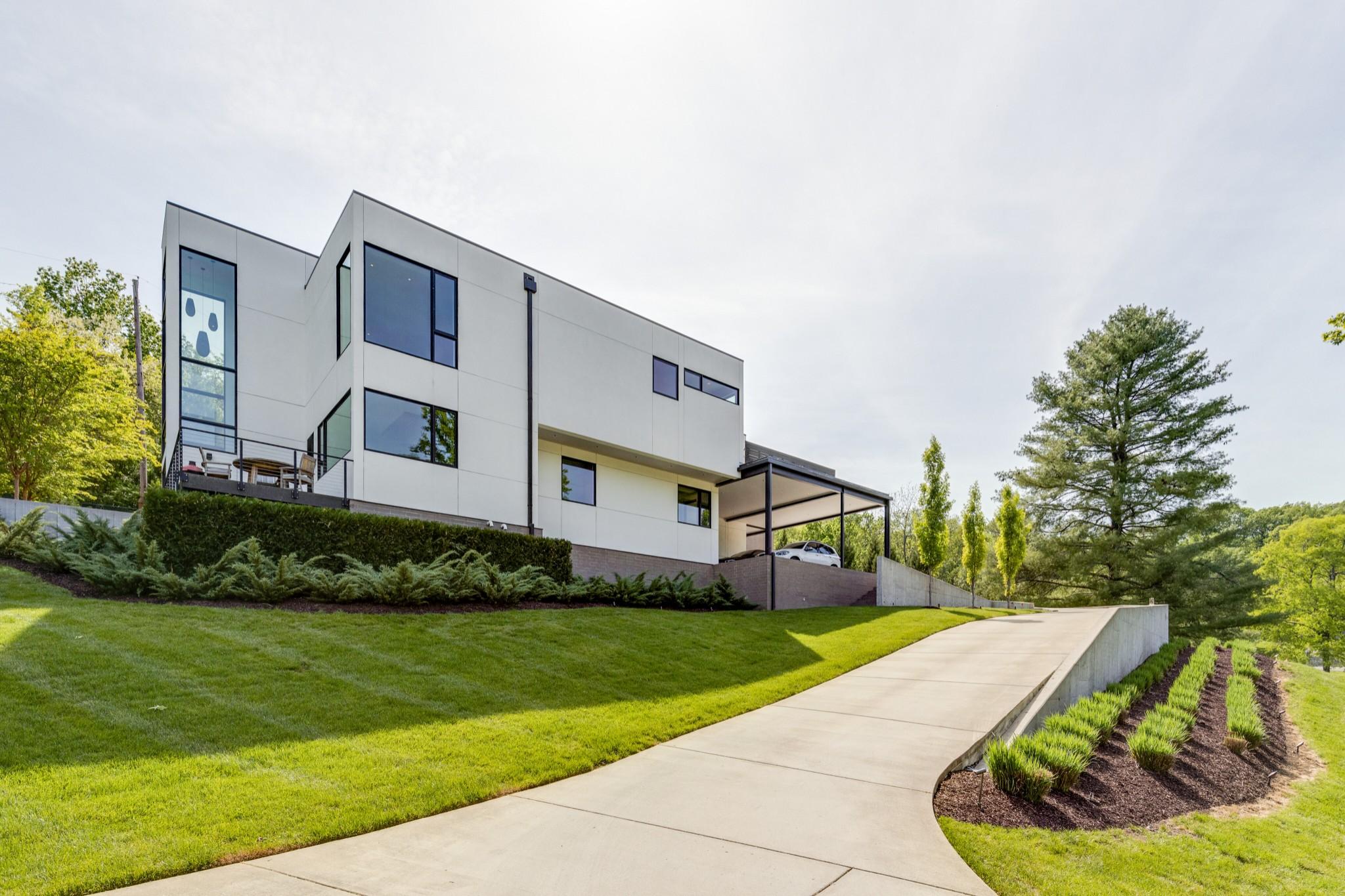6321 E Valley Rd Property Photo