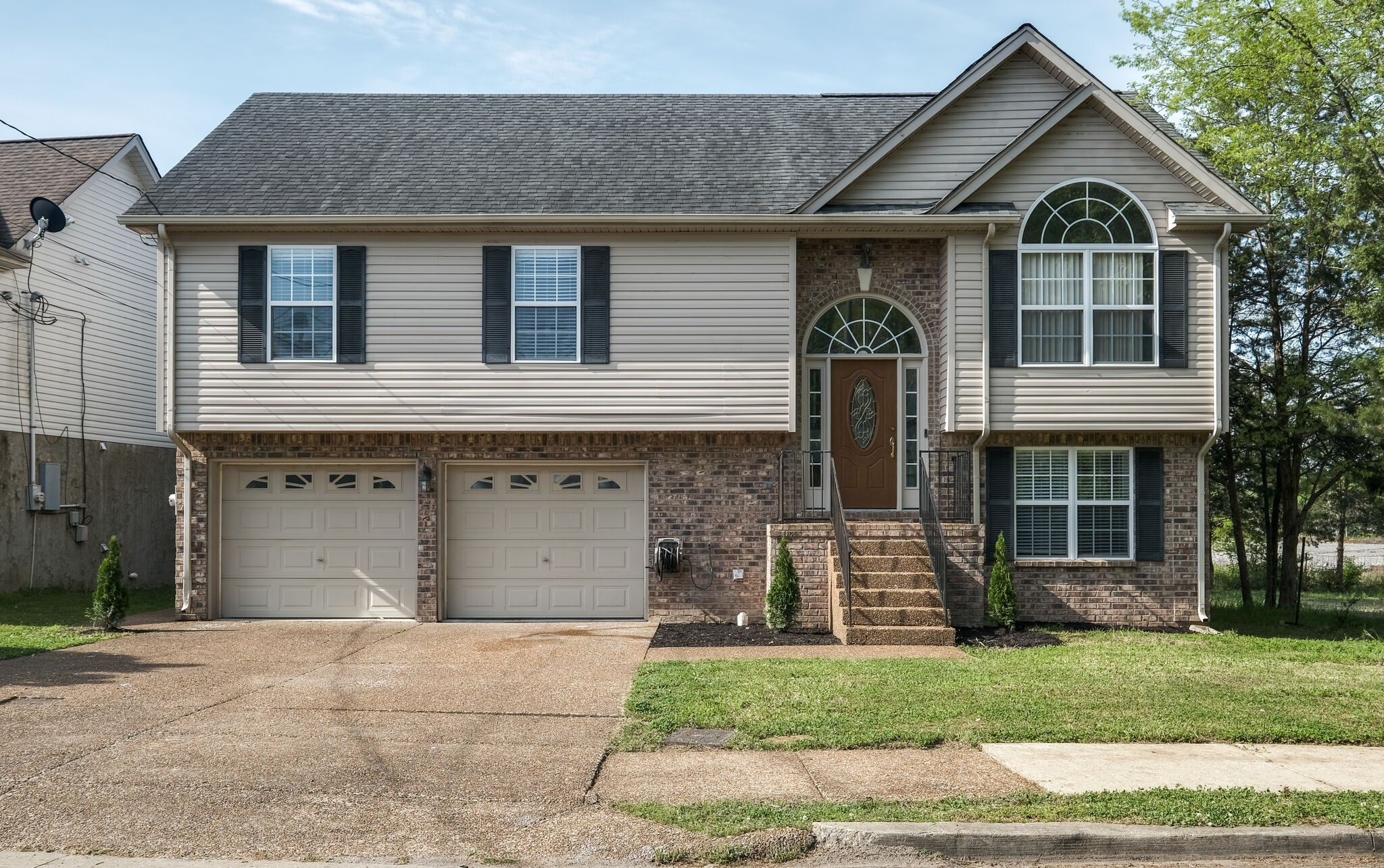 2013 Whitney Creek Dr Property Photo - Antioch, TN real estate listing