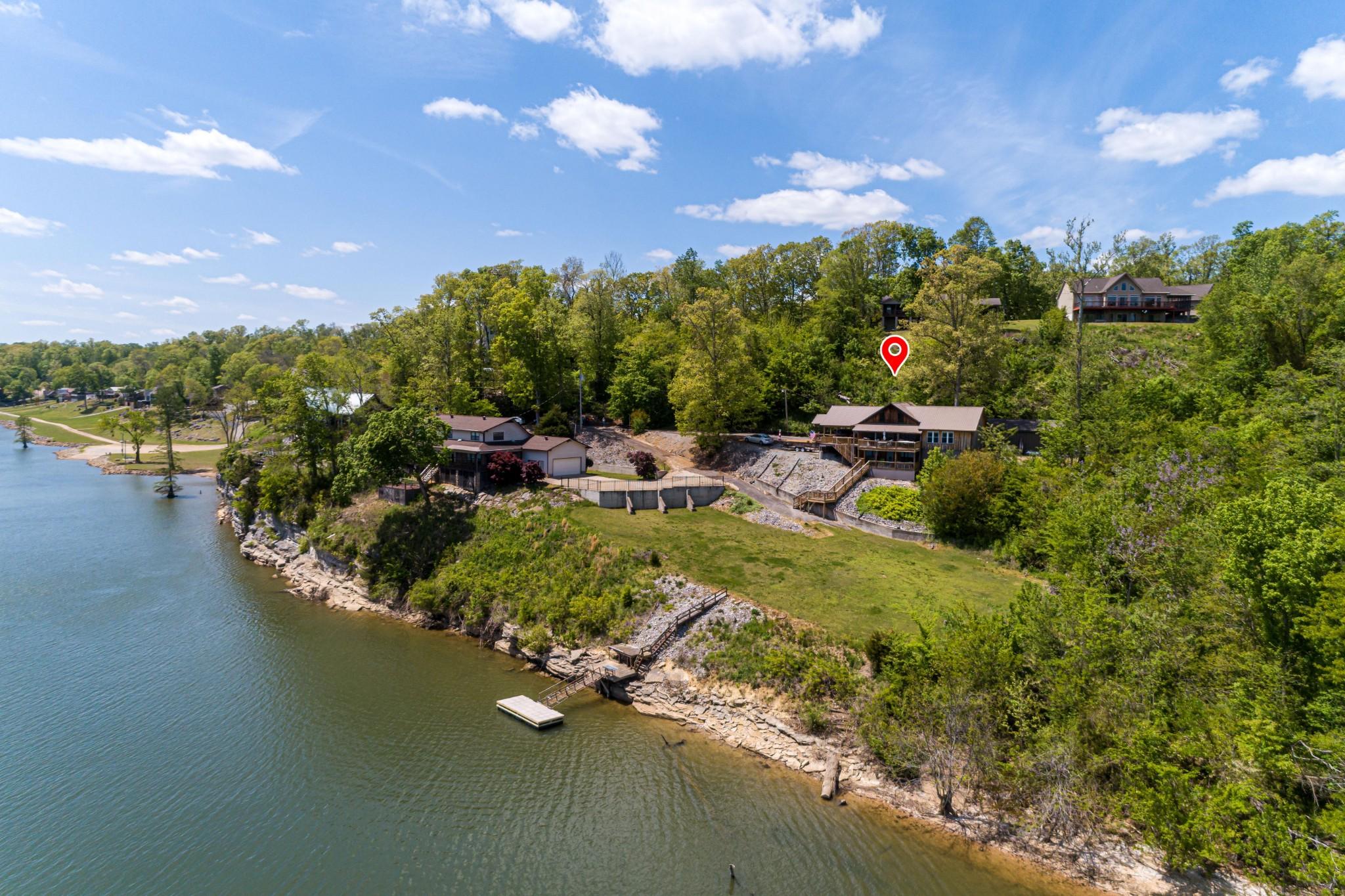 497 Brown Bluff Ln Property Photo