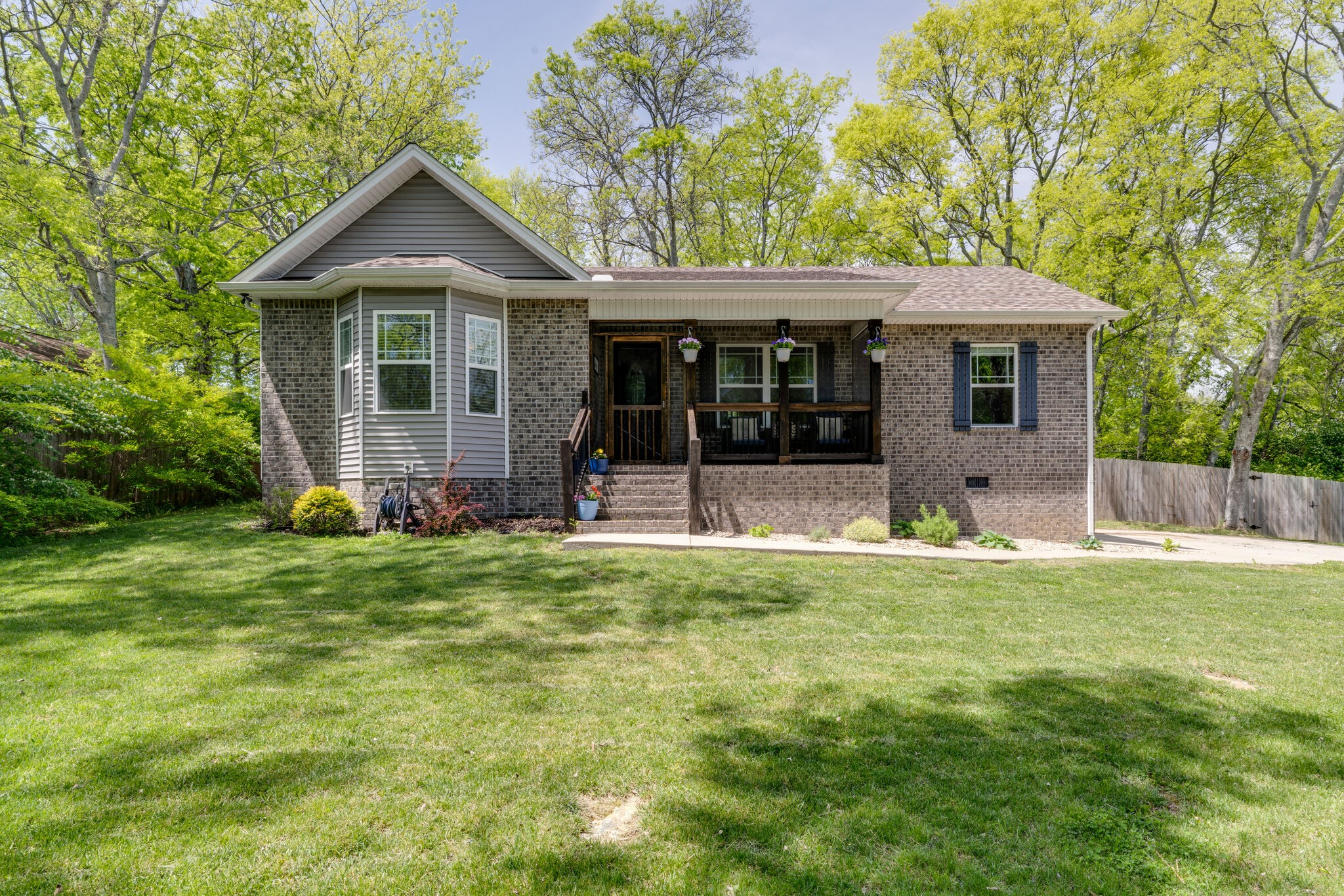 165 New Shackle Island Rd Property Photo - Hendersonville, TN real estate listing