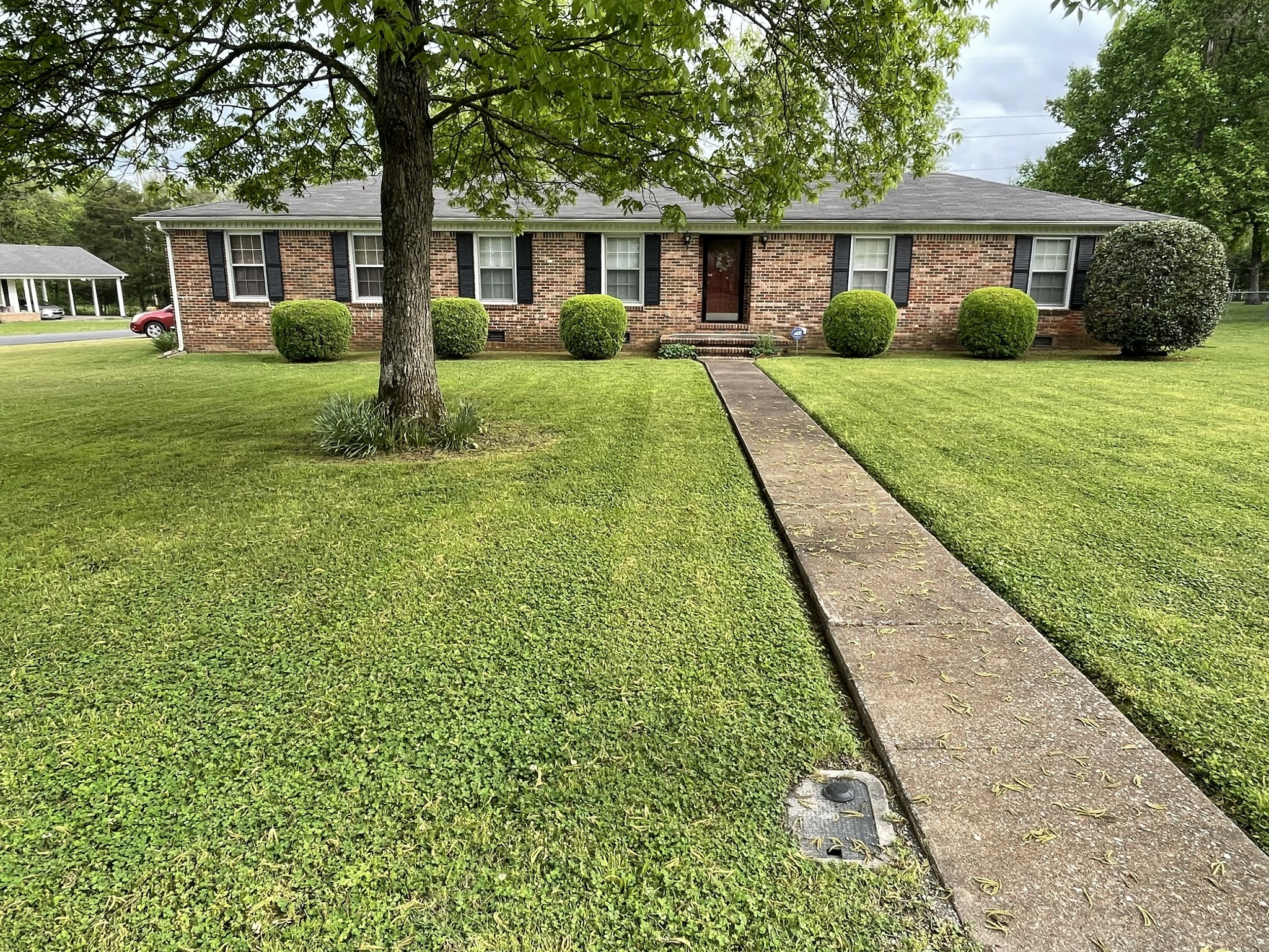 1702 Wildwood Dr Property Photo - Shelbyville, TN real estate listing