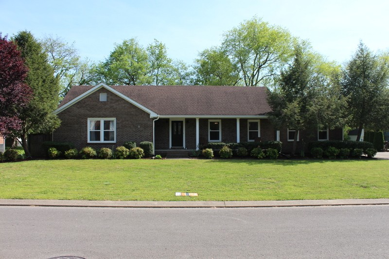 515 Winthorne Ct Property Photo - Murfreesboro, TN real estate listing
