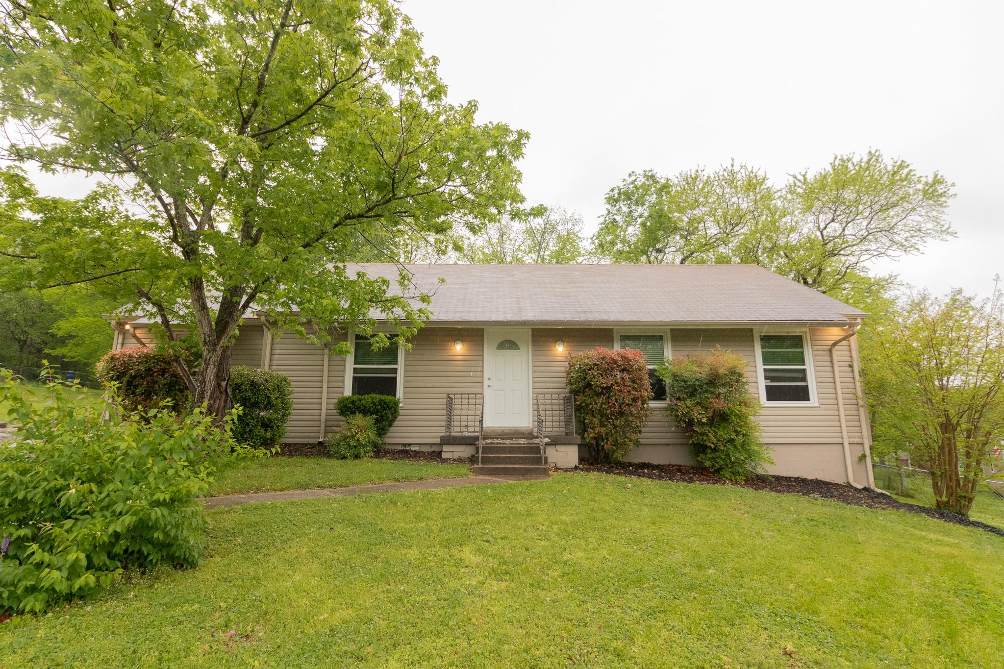 104 Cedar Ct Property Photo - Hendersonville, TN real estate listing
