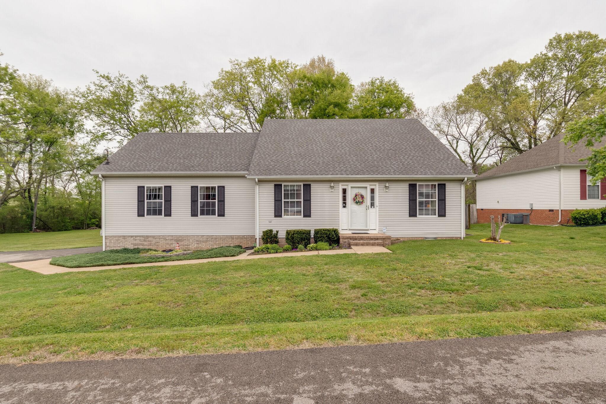 2010 Gettysburg Ln Property Photo - Columbia, TN real estate listing
