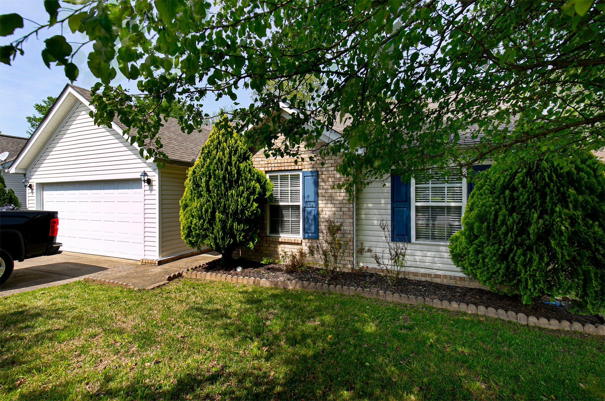 7347 Ole Nottingham Dr Property Photo