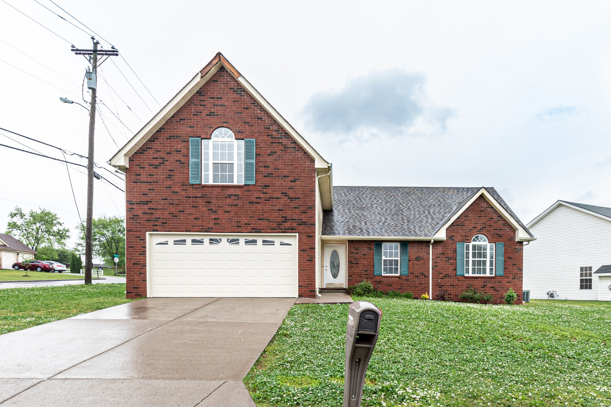5101 Brookstone Ct Property Photo - Antioch, TN real estate listing