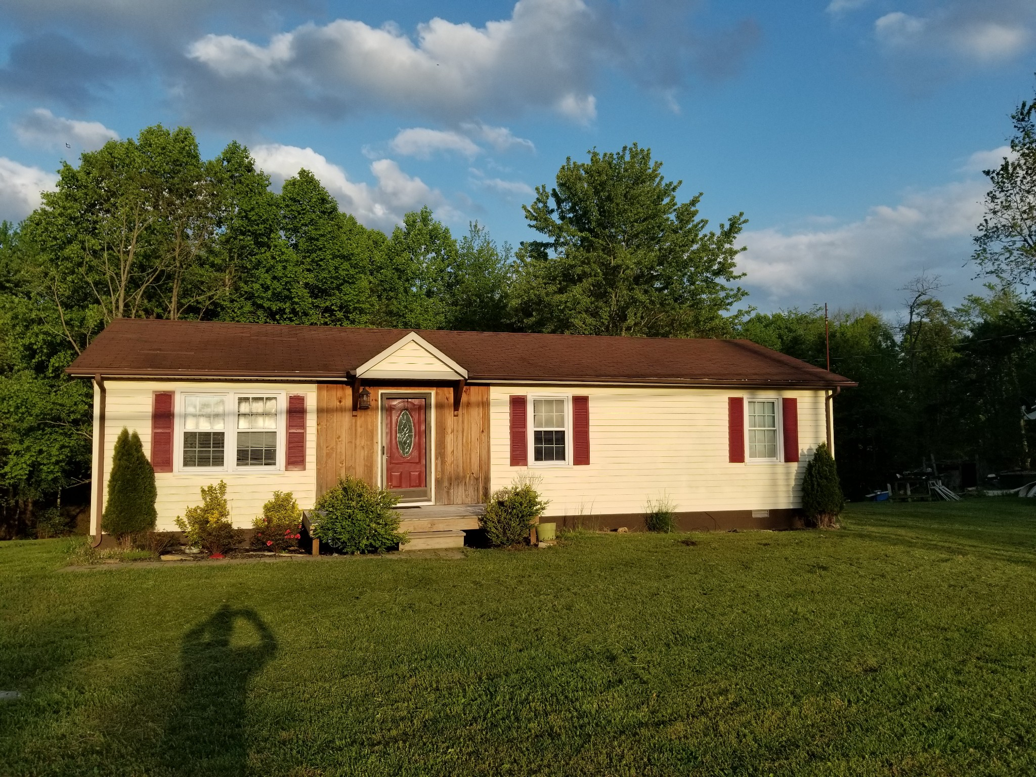 2142 Pine Grove Rd Property Photo - Spencer, TN real estate listing