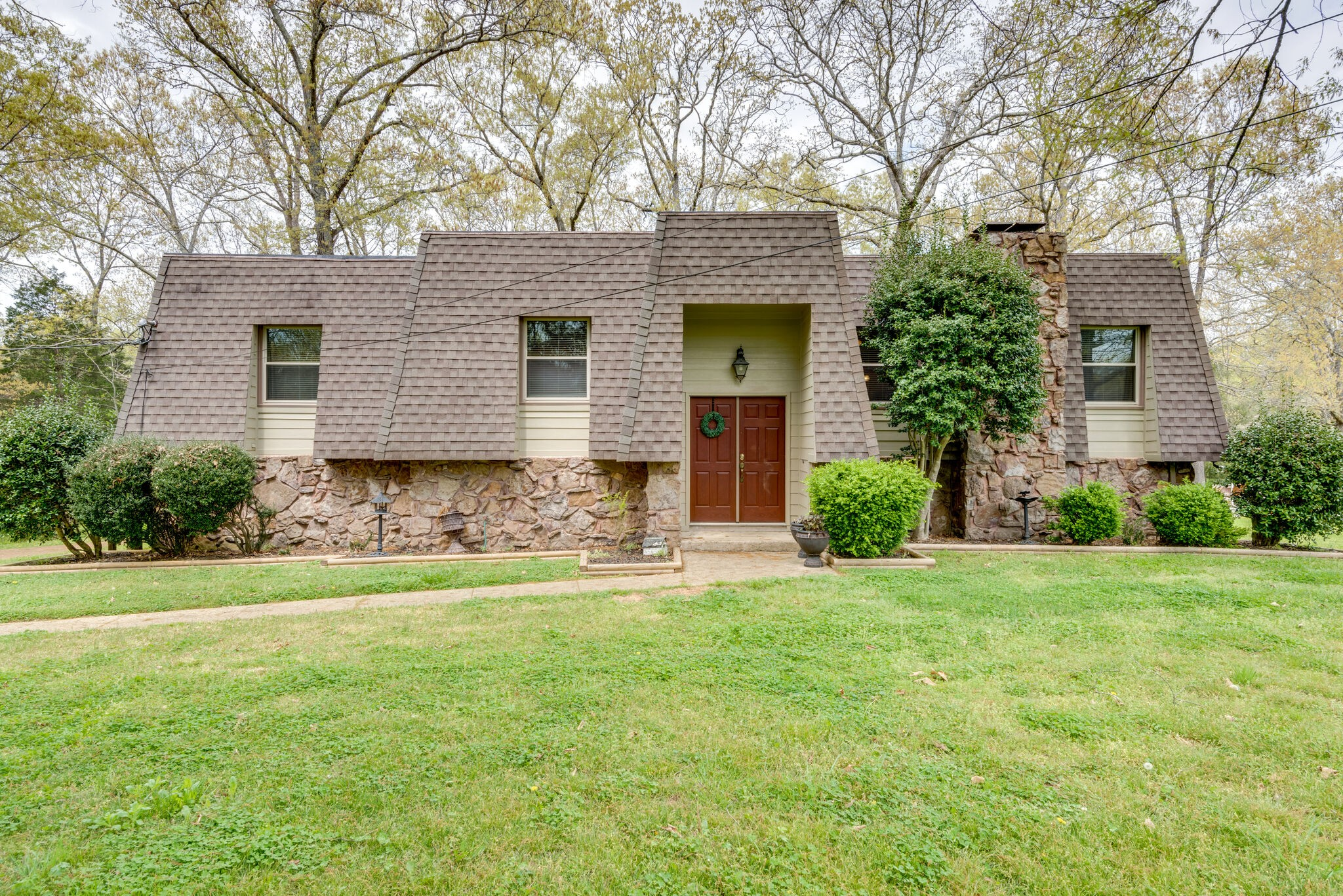 269 Woodlands Ct Property Photo - Kingston Springs, TN real estate listing