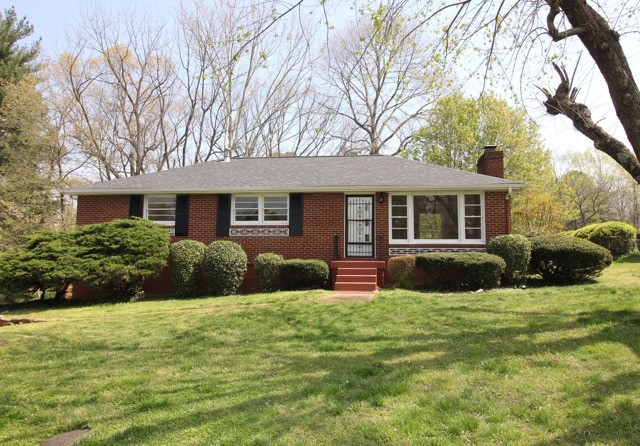 302 S Pawnee Dr Property Photo - Springfield, TN real estate listing