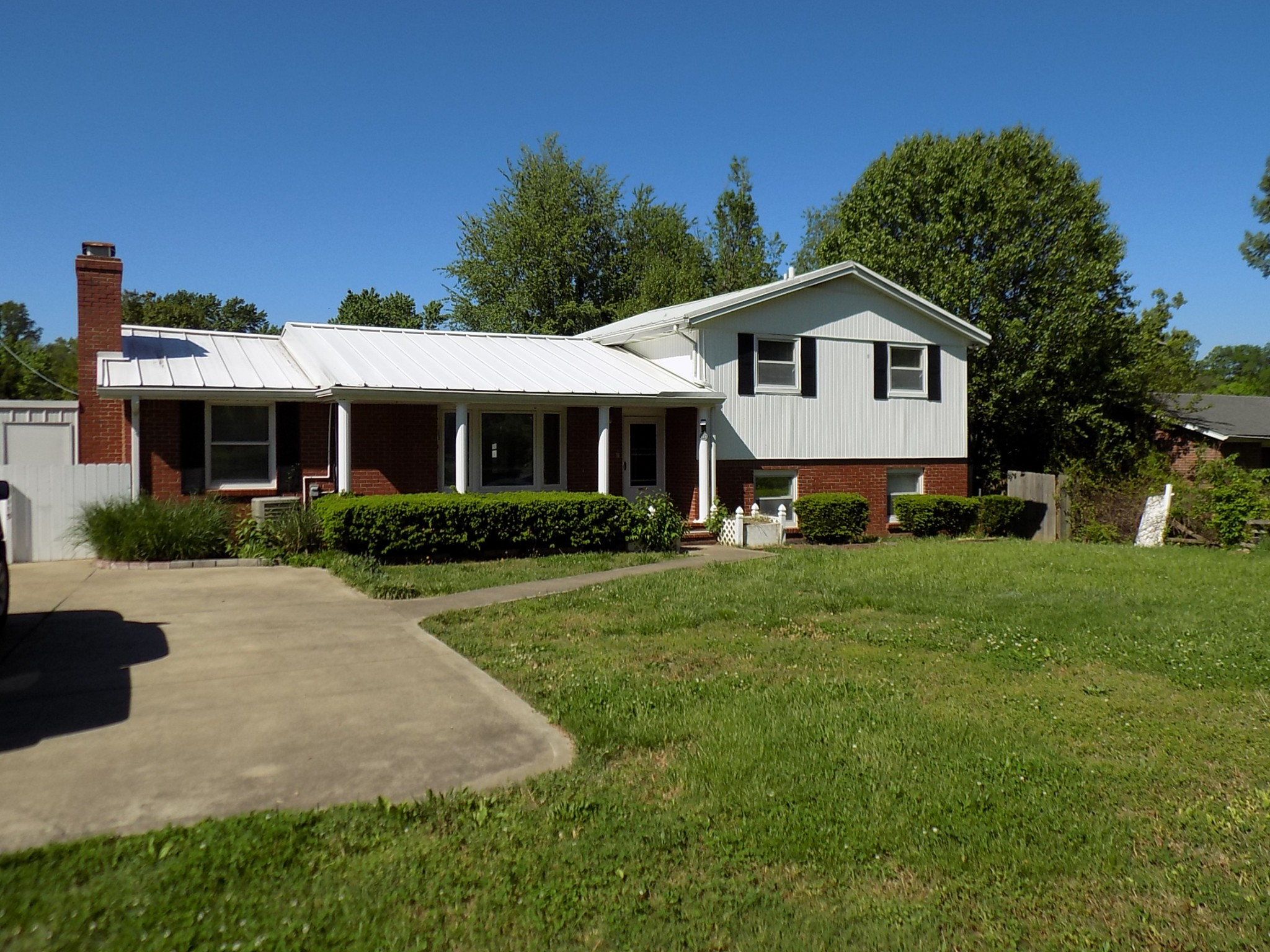 115 Delaware Dr Property Photo - Clarksville, TN real estate listing