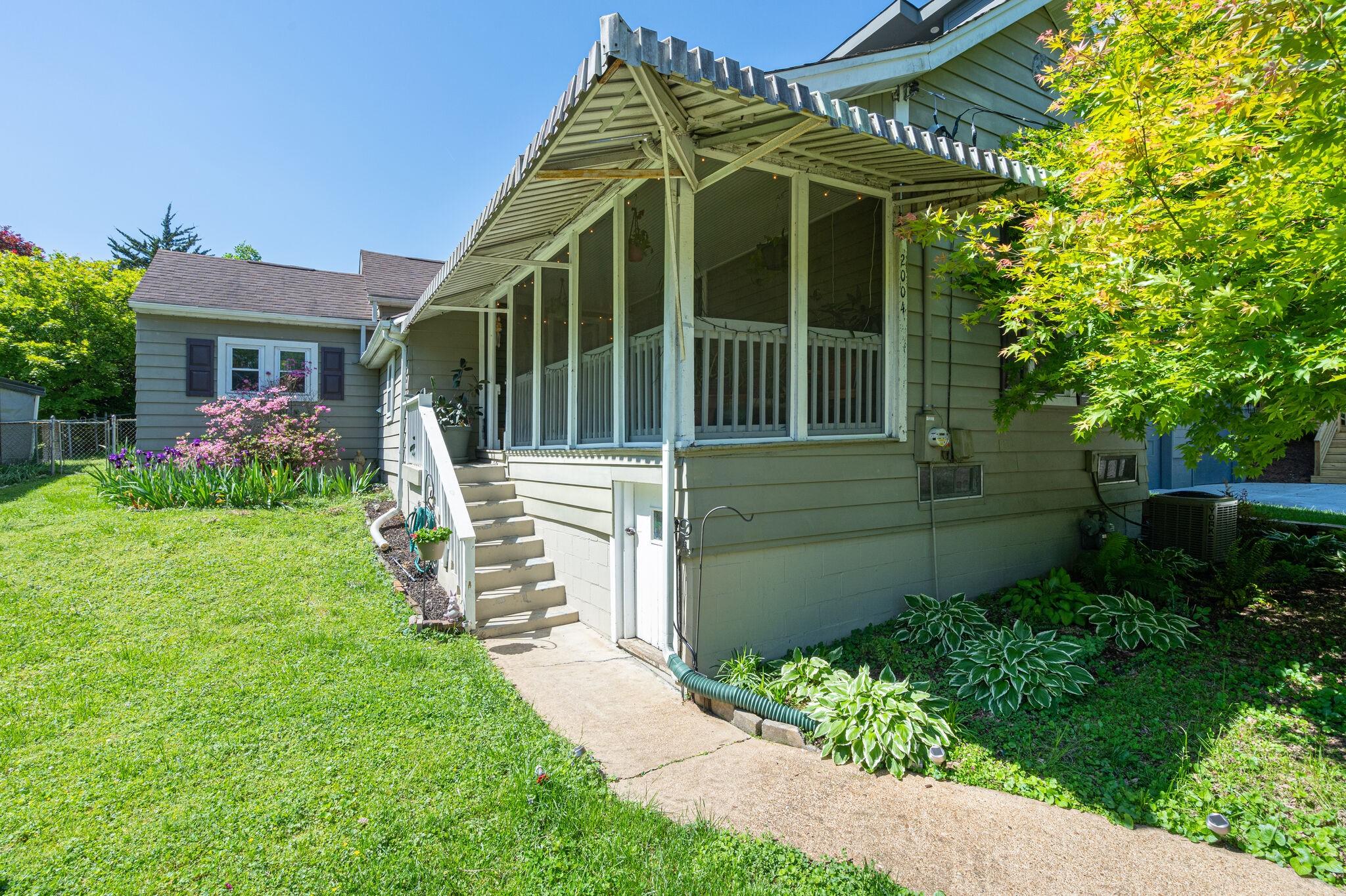 2004 Long Ave Property Photo - Nashville, TN real estate listing