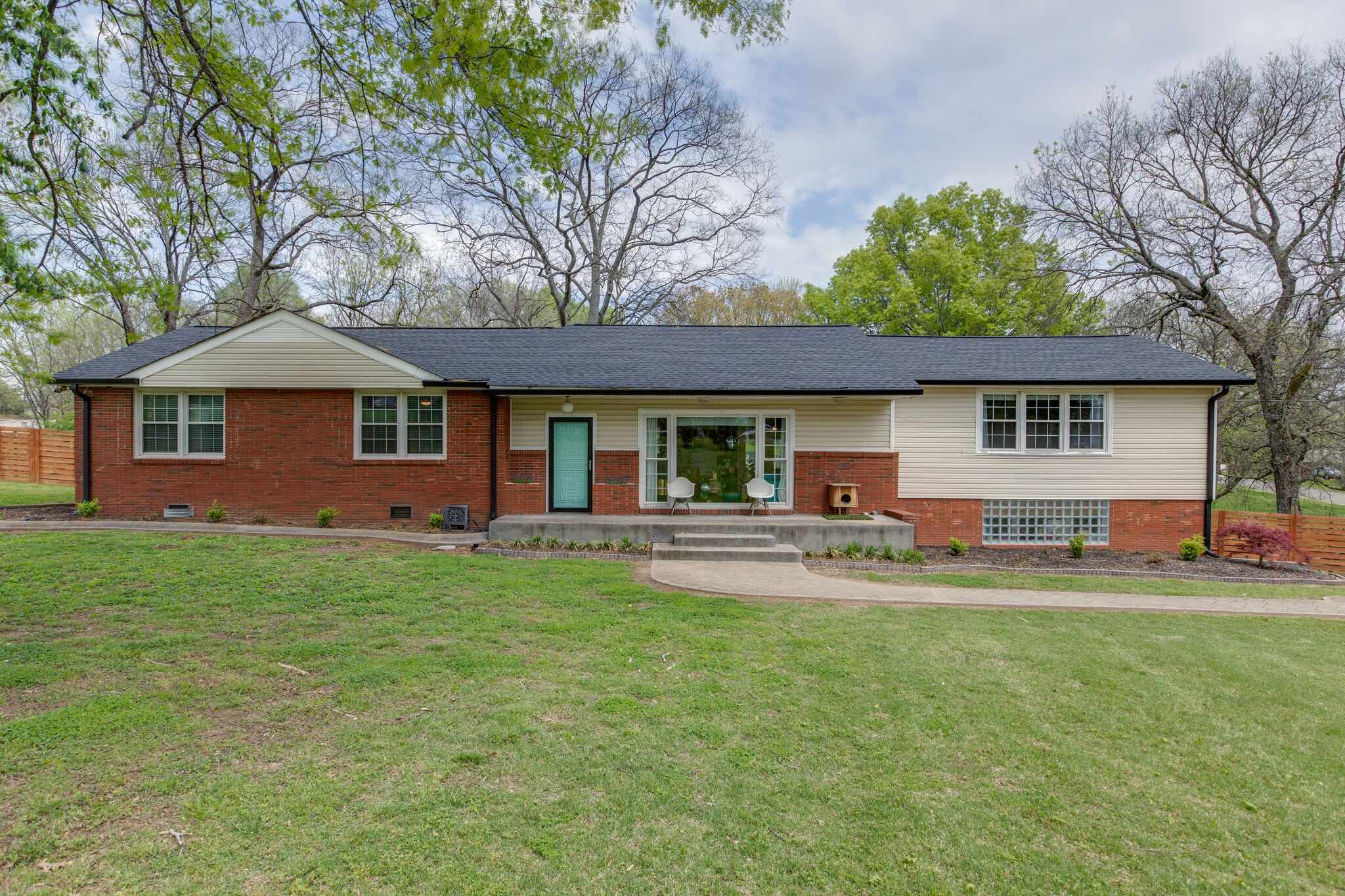 906 Chadwell Dr Property Photo - Madison, TN real estate listing