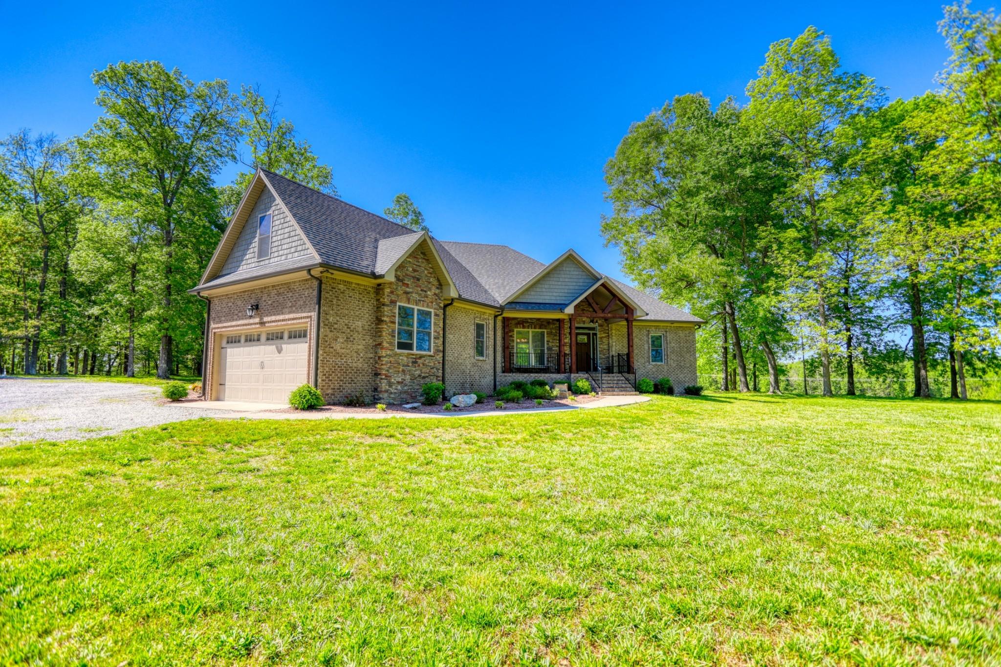 3487 Dobbins Pike Property Photo - Portland, TN real estate listing