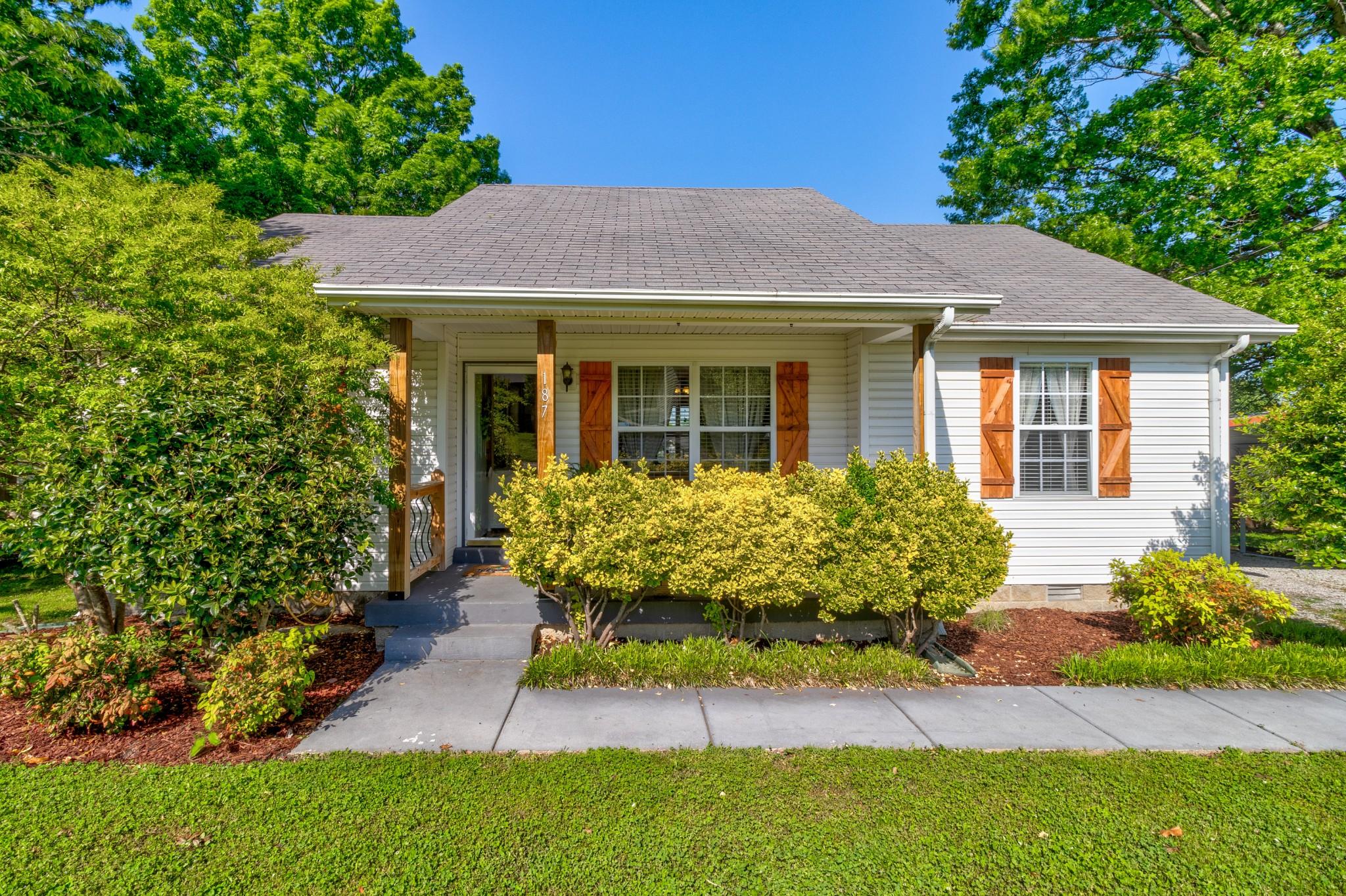 187 Center St Property Photo - LA VERGNE, TN real estate listing