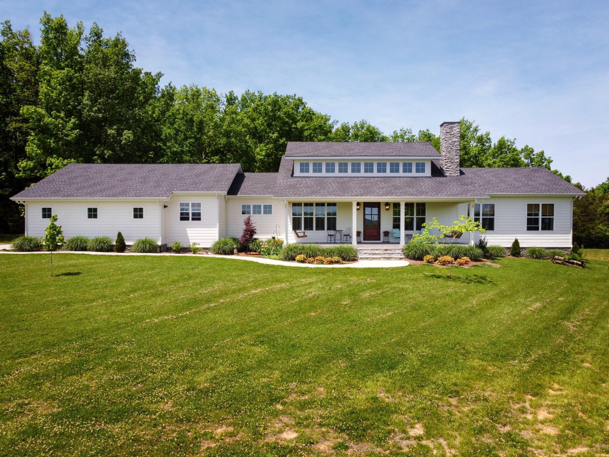 6400 Christiana Hoovers Gap Rd Property Photo - Christiana, TN real estate listing