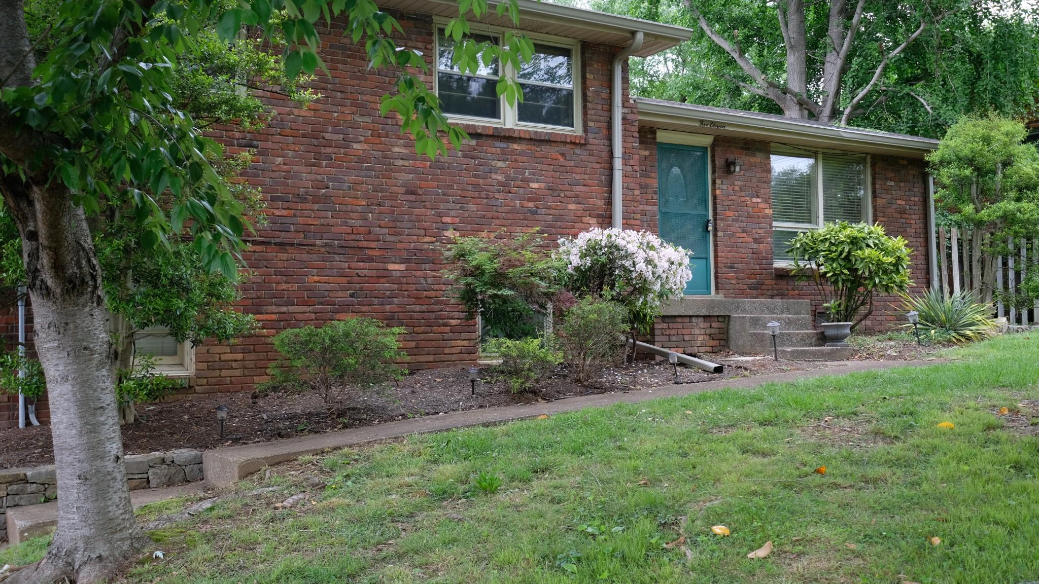 511 McDonald Dr Property Photo - Nashville, TN real estate listing