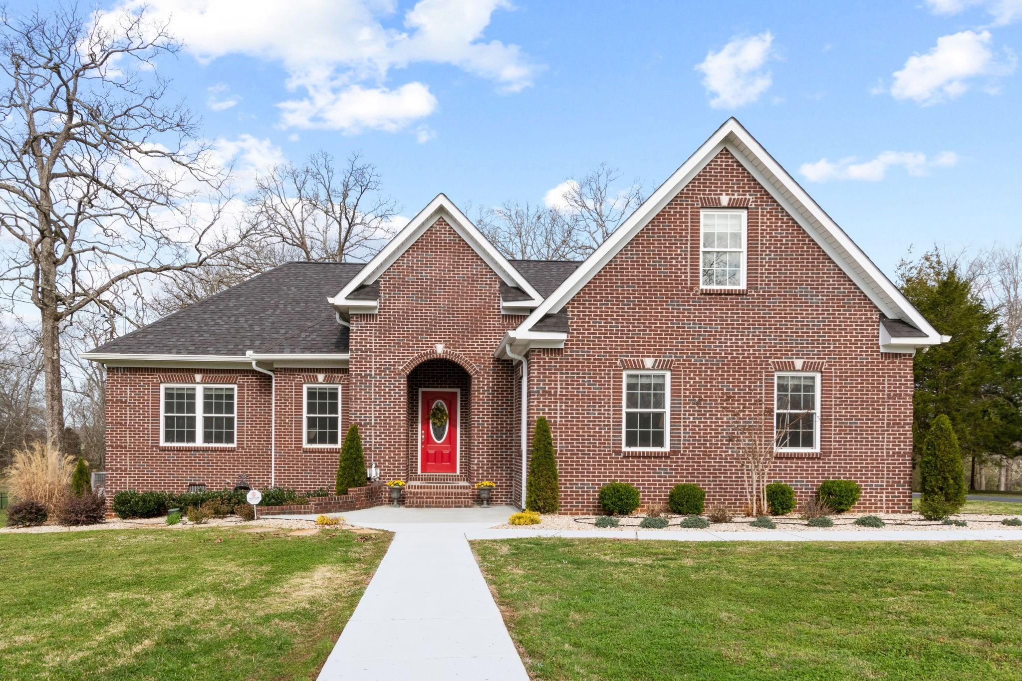 203 Richland Dr Property Photo - Shelbyville, TN real estate listing
