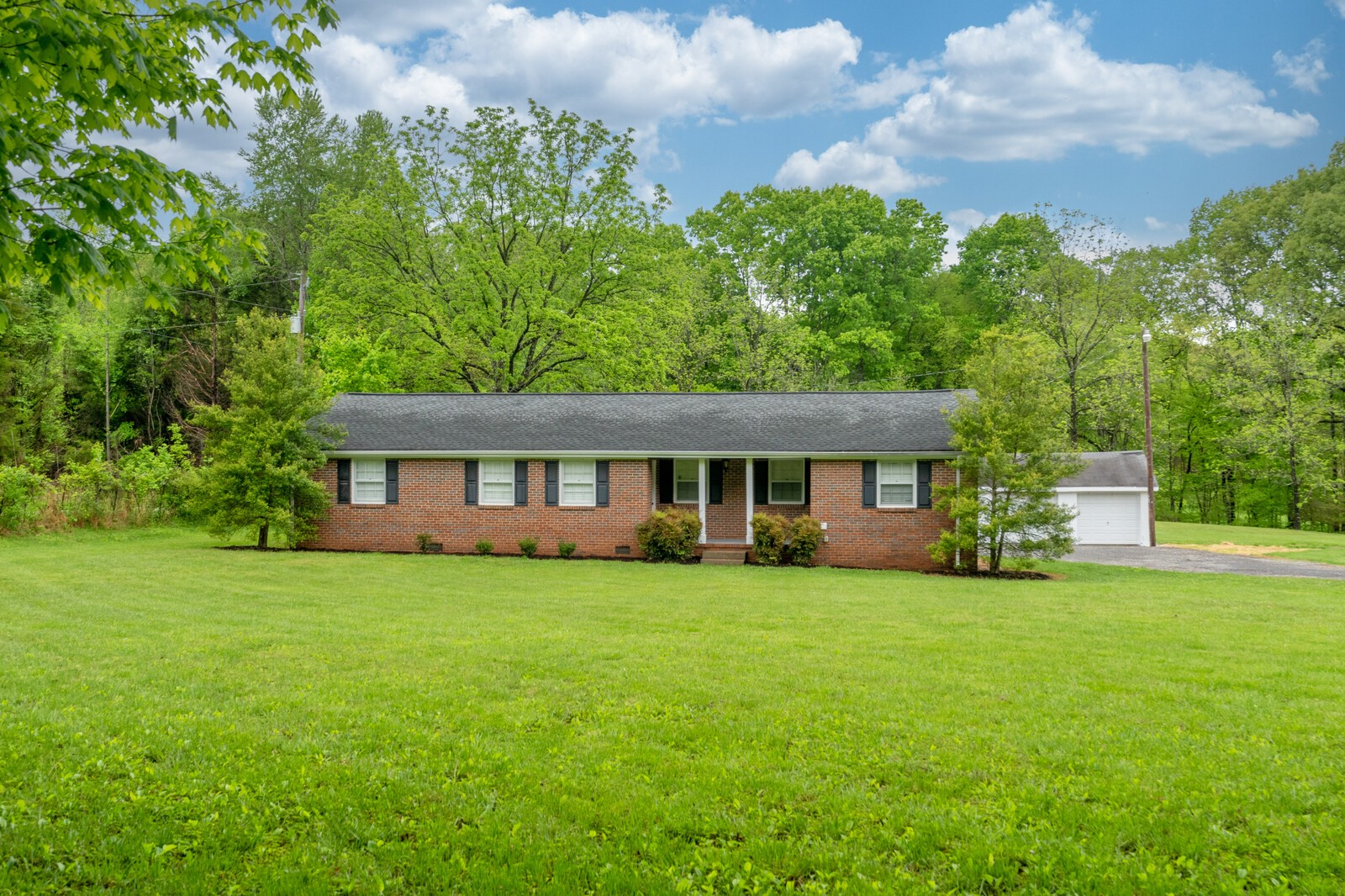 373 South Rd Property Photo - Cottontown, TN real estate listing