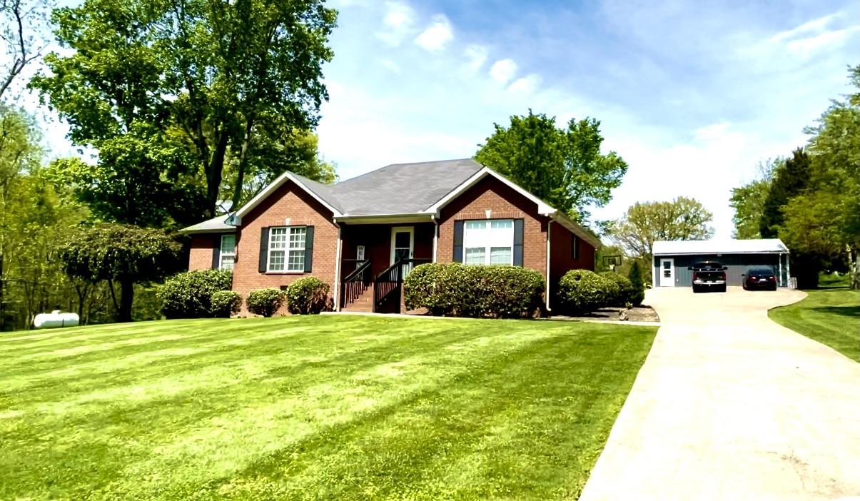 205 E Garretts Creek Rd Property Photo - Westmoreland, TN real estate listing
