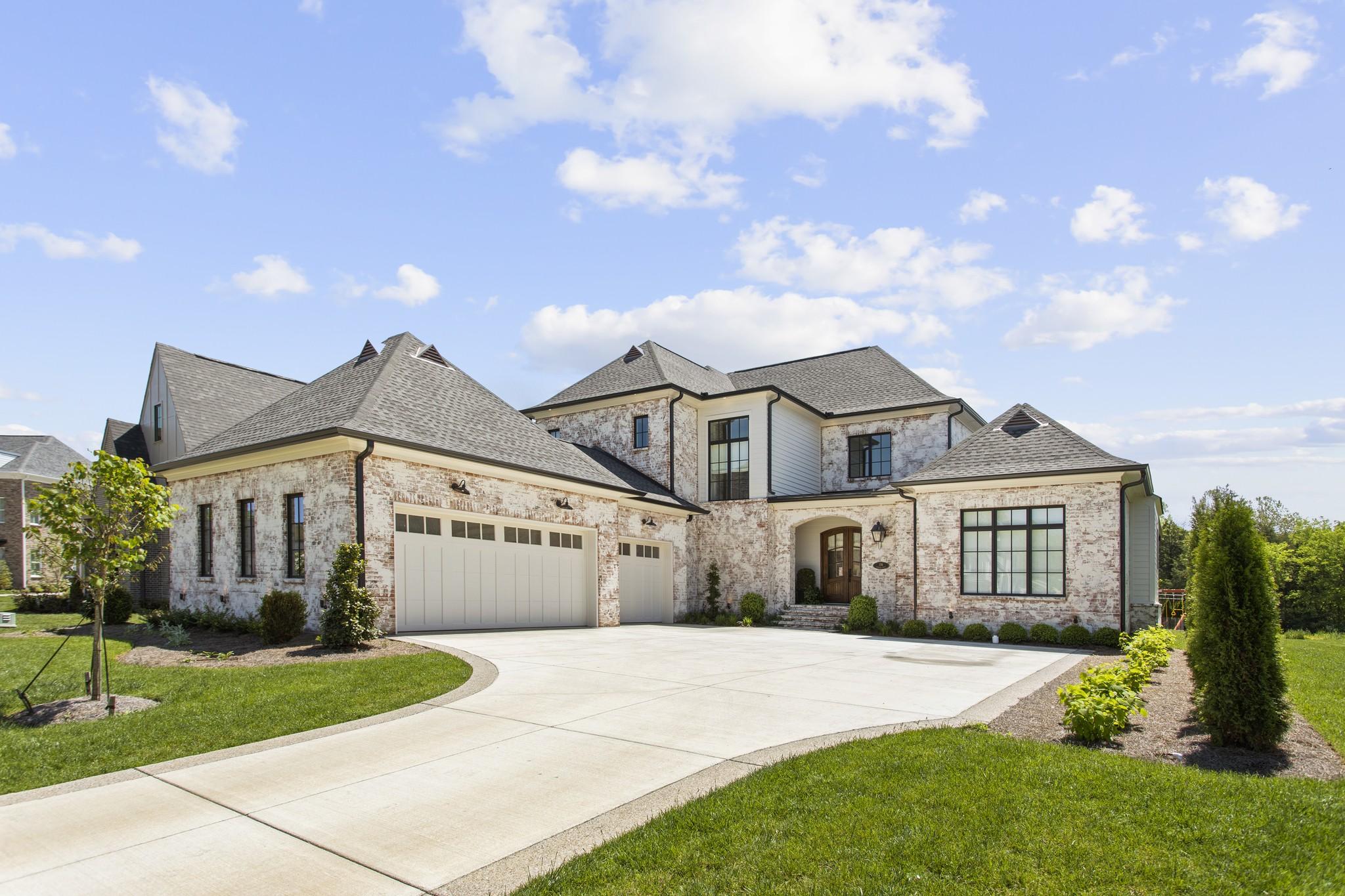 136 Glenrock Dr Property Photo