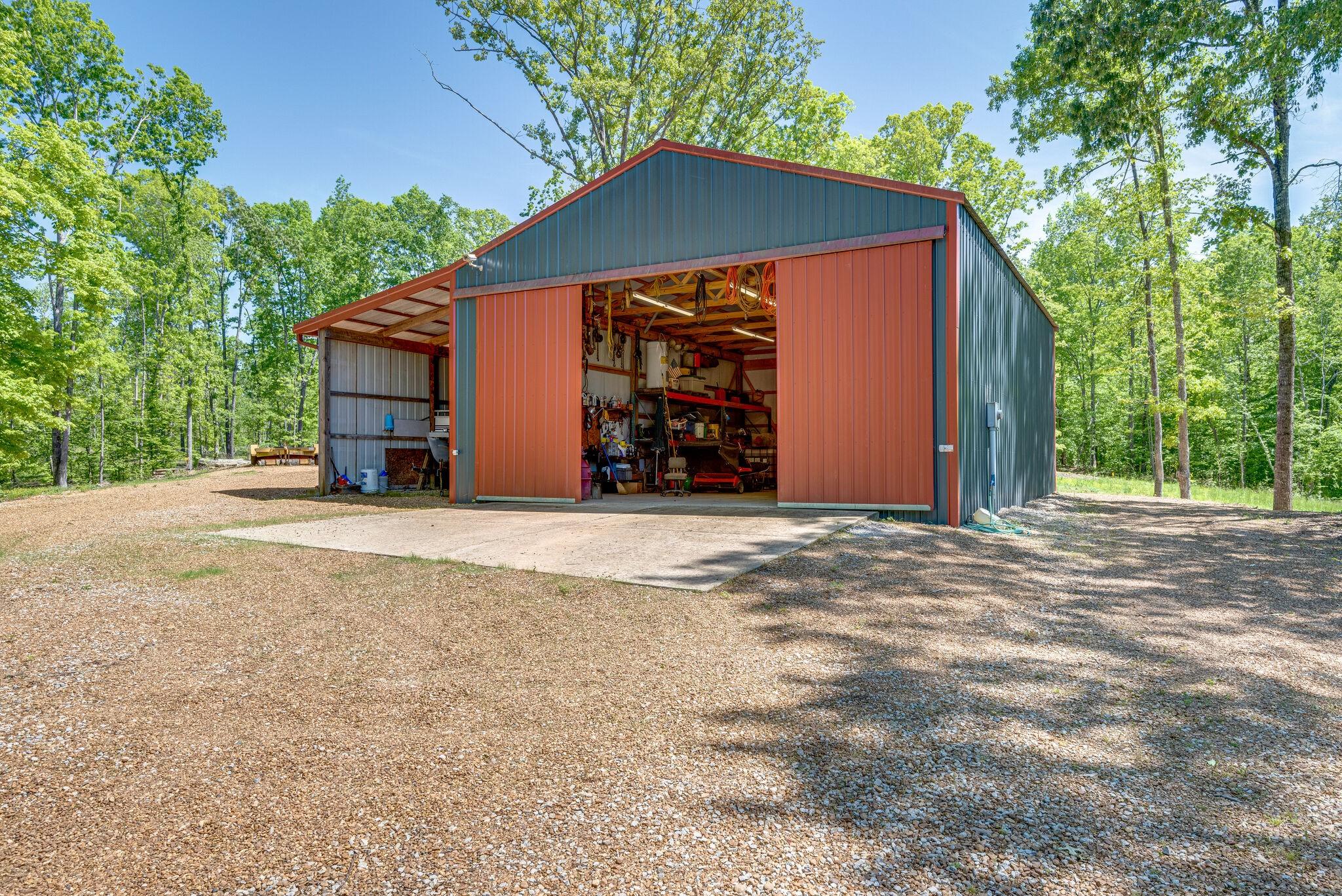 83 Driftwood Ln Property Photo - Lobelville, TN real estate listing