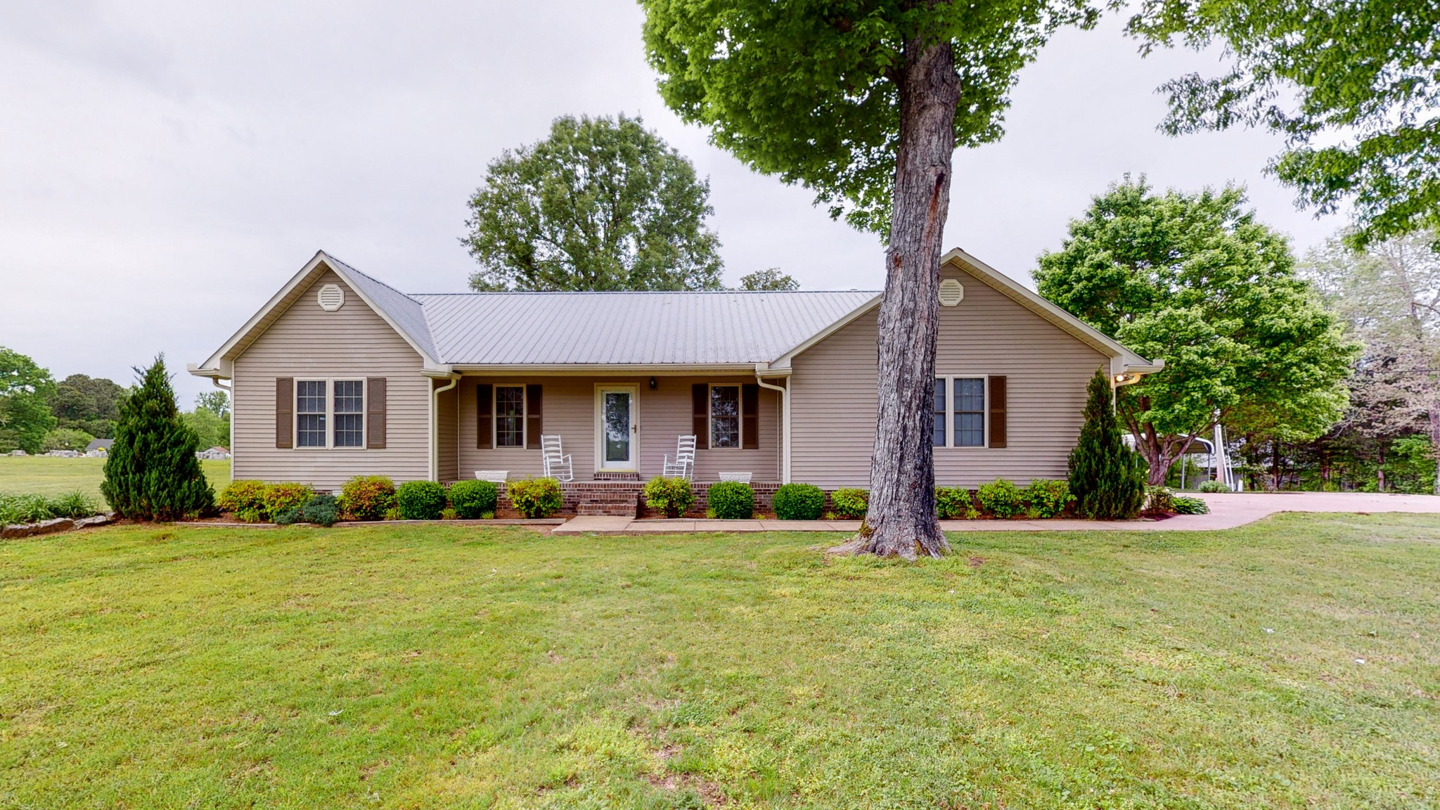 1009 Lower Shipps Bend Rd N Property Photo - Centerville, TN real estate listing